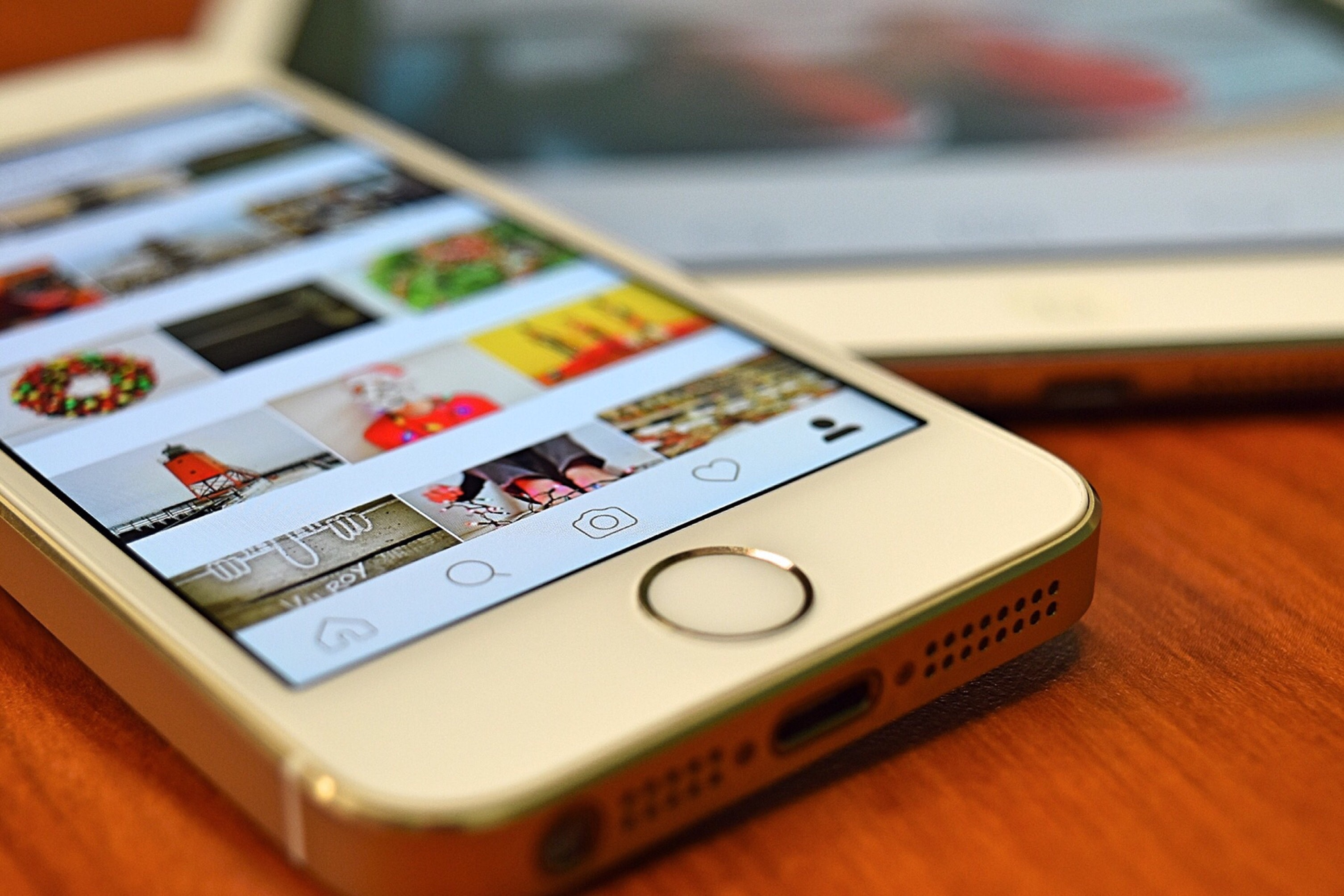 Silver iphone 5s showing instagram photo