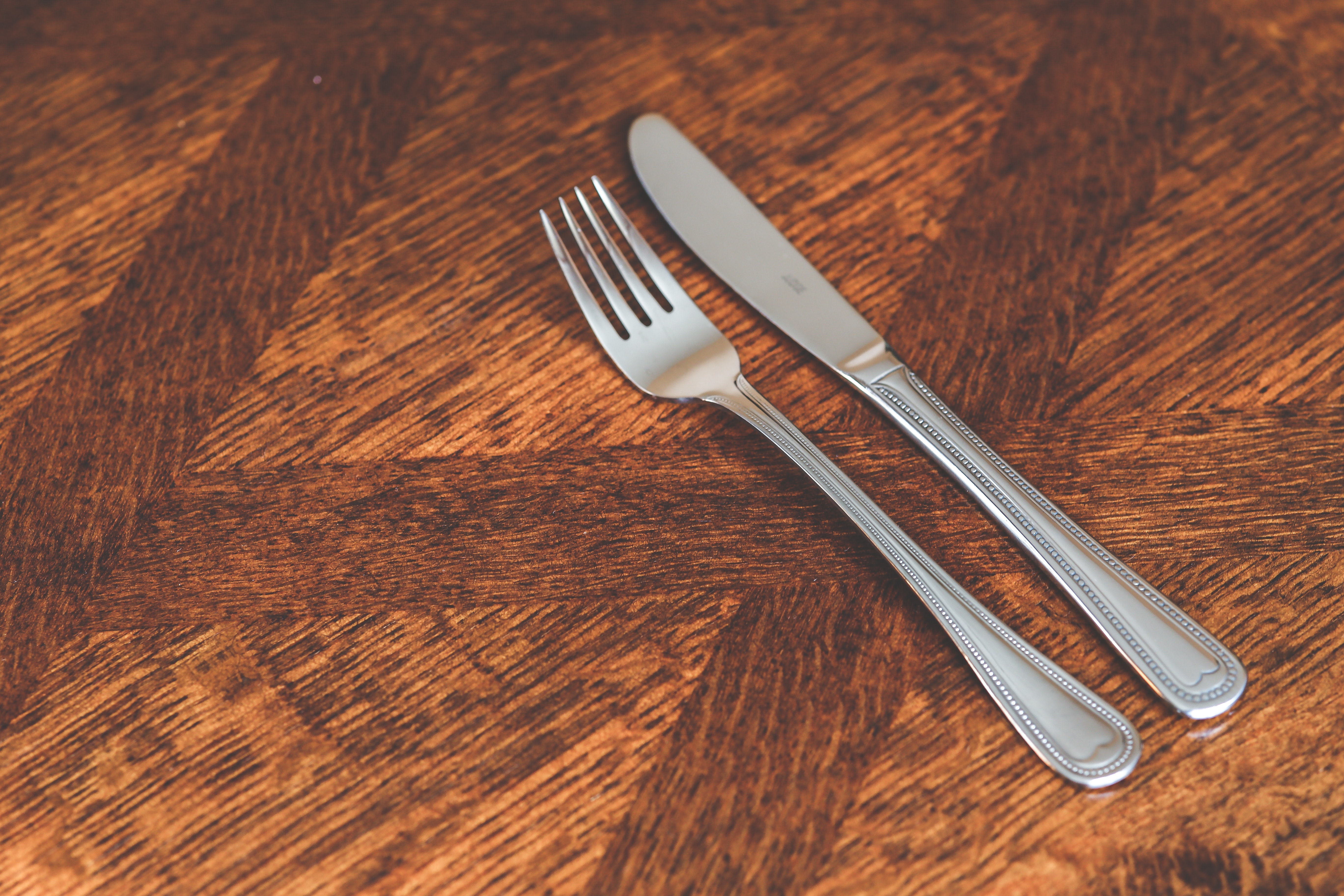 Silver kinve & fork photo
