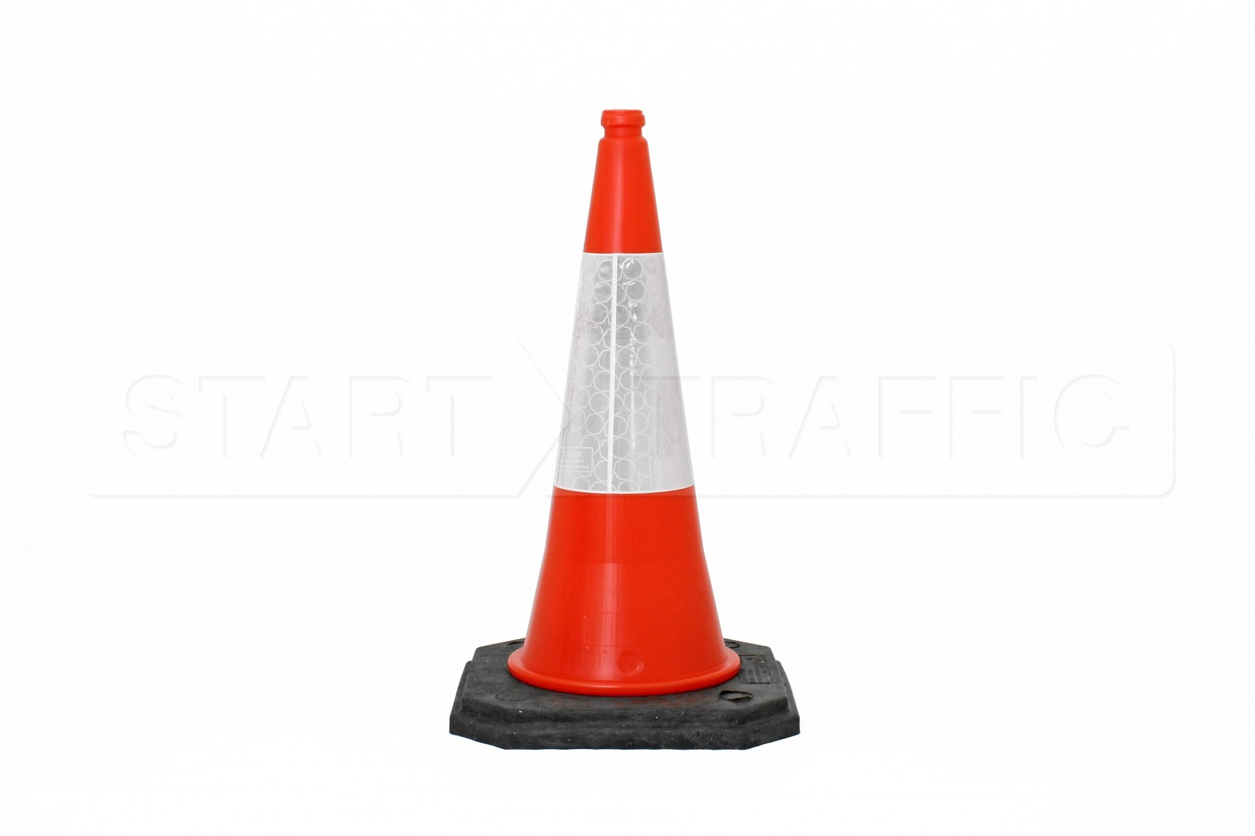 Singgle traffic cone photo