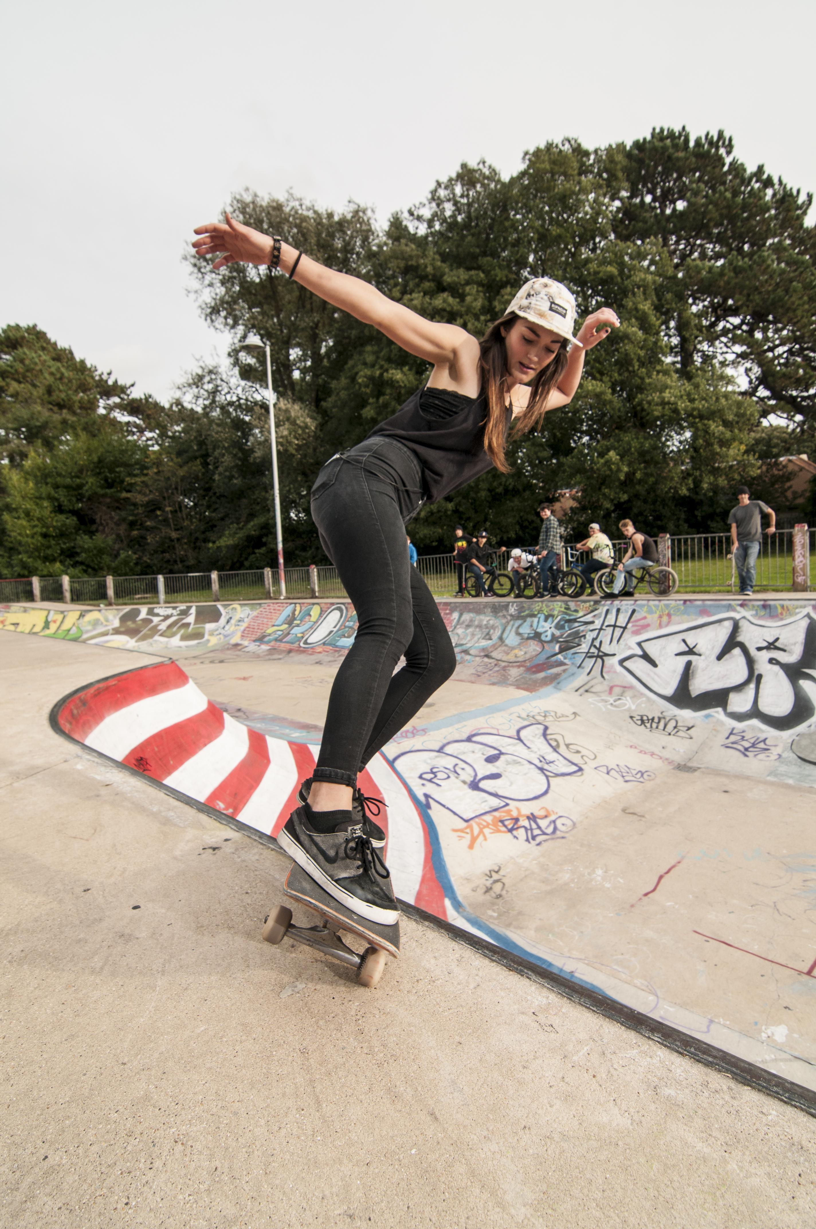 Skater Bio : Rianne Evans | GIRL SKATE UK