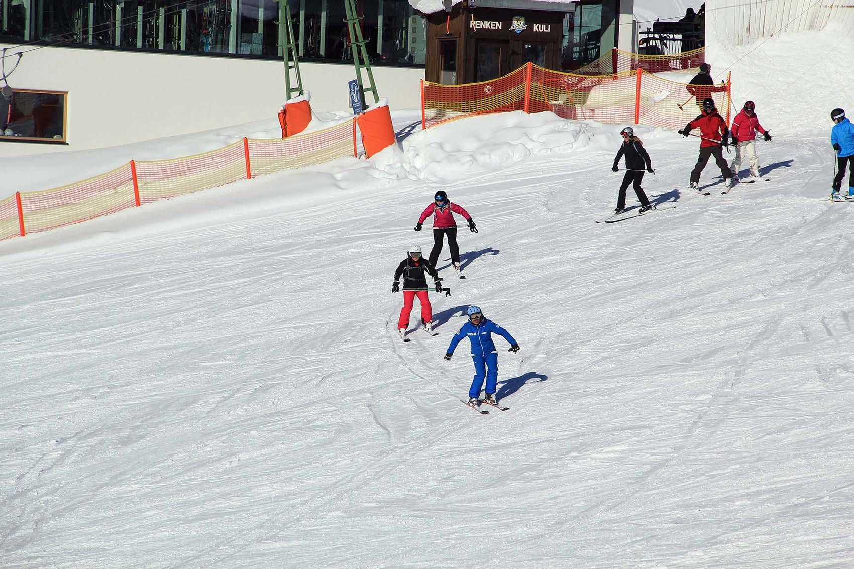 Ski Group Lessons - Ski School Habeler Mayrhofen