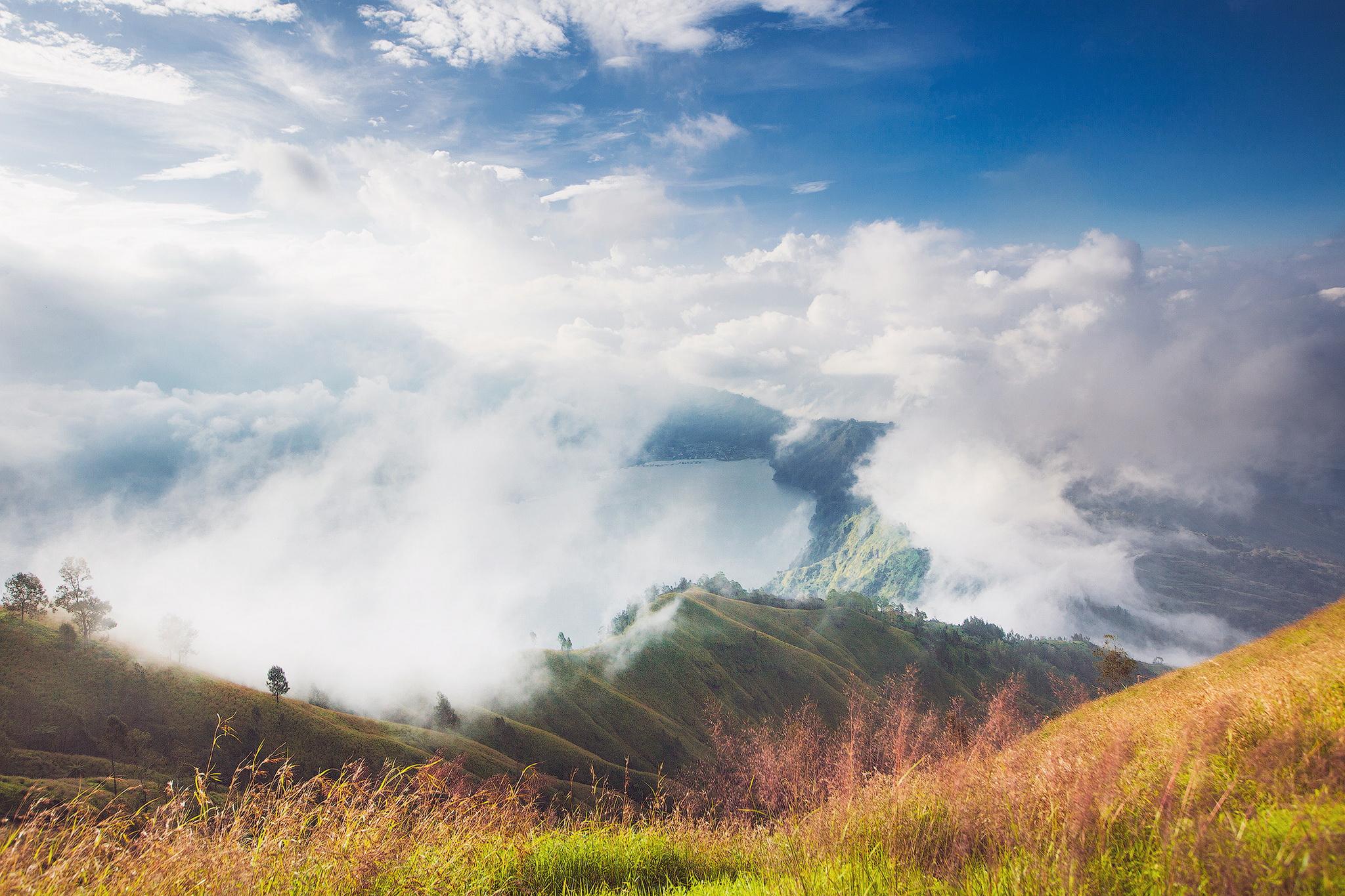 Sky and clouds - Photo gallery | MIRIADNA.COM