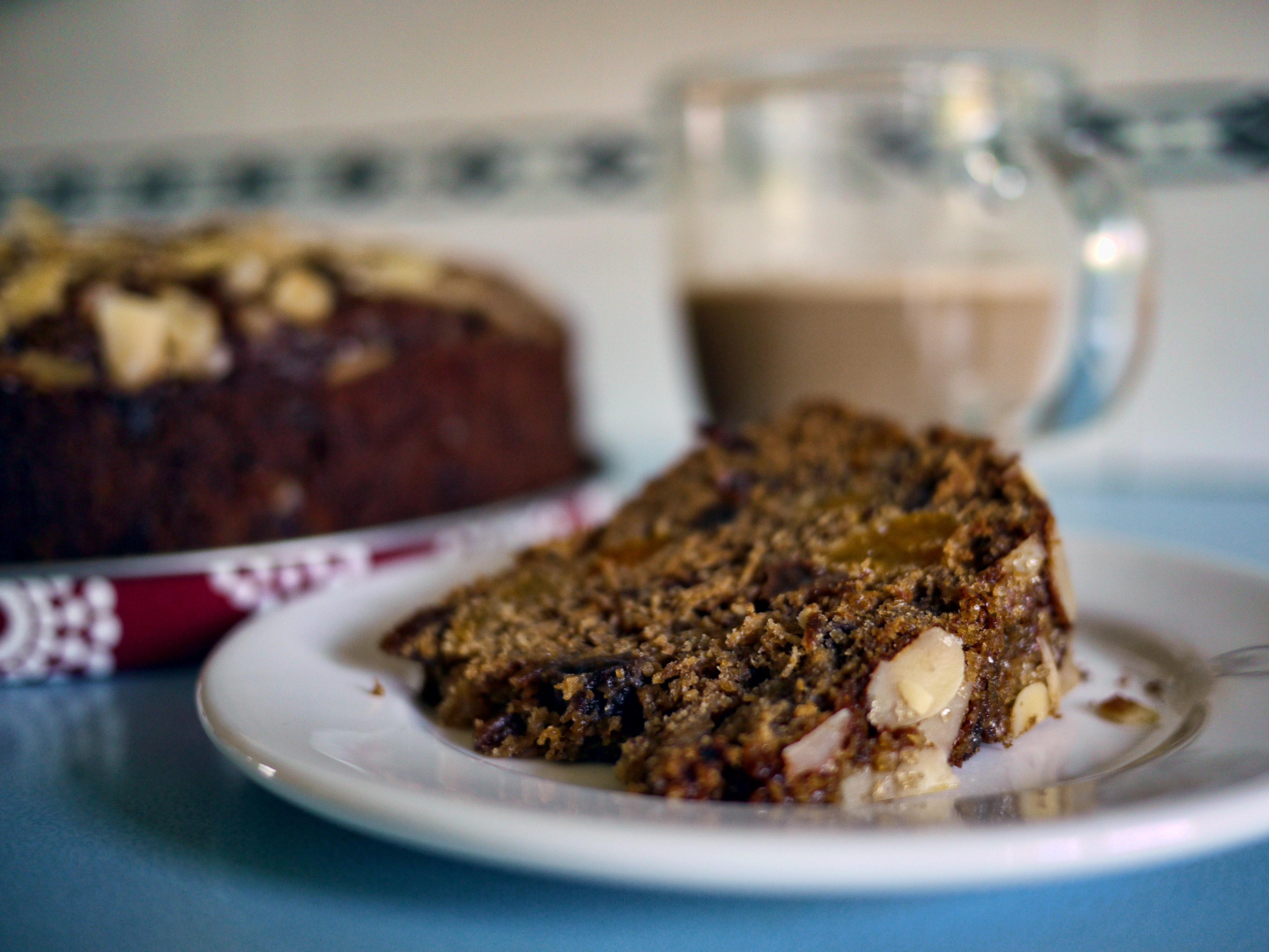 Sliced Cake on White Ceramic Plate, Baked, Food, Sweet, Sugar, HQ Photo