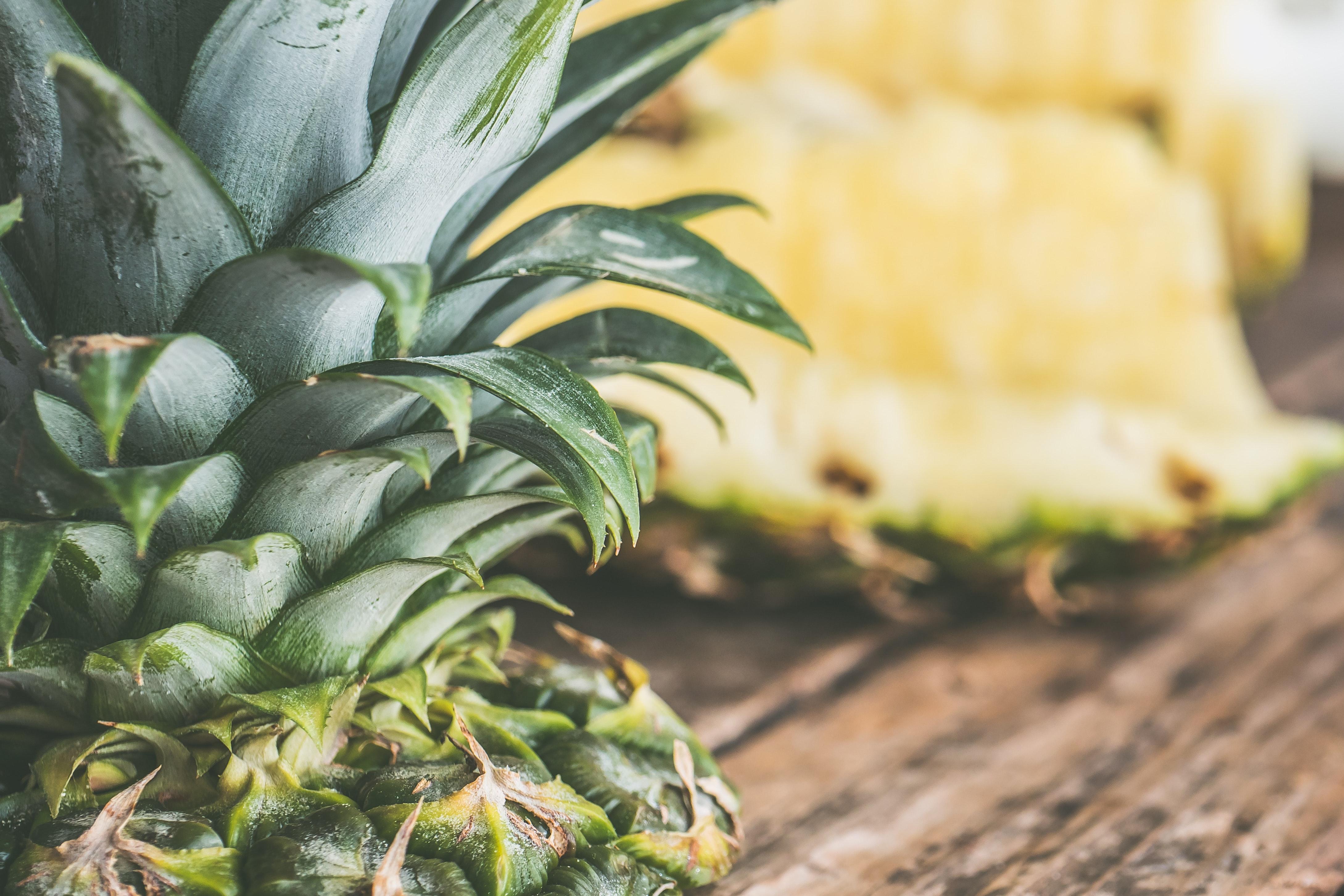 Sliced pineapple photo
