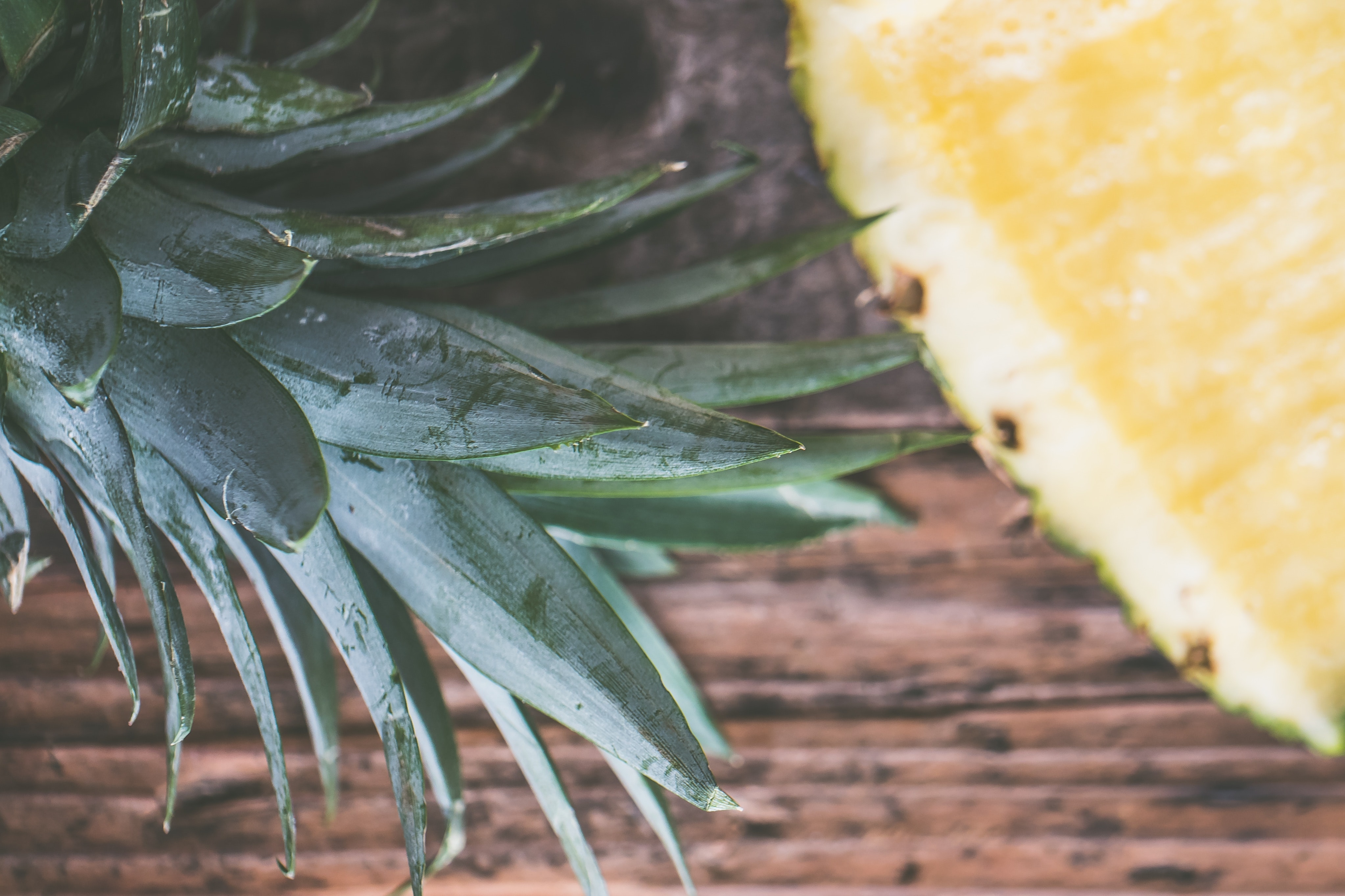 Sliced Pineapple, Close-up, Leaves, Wood, Tropical fruit, HQ Photo
