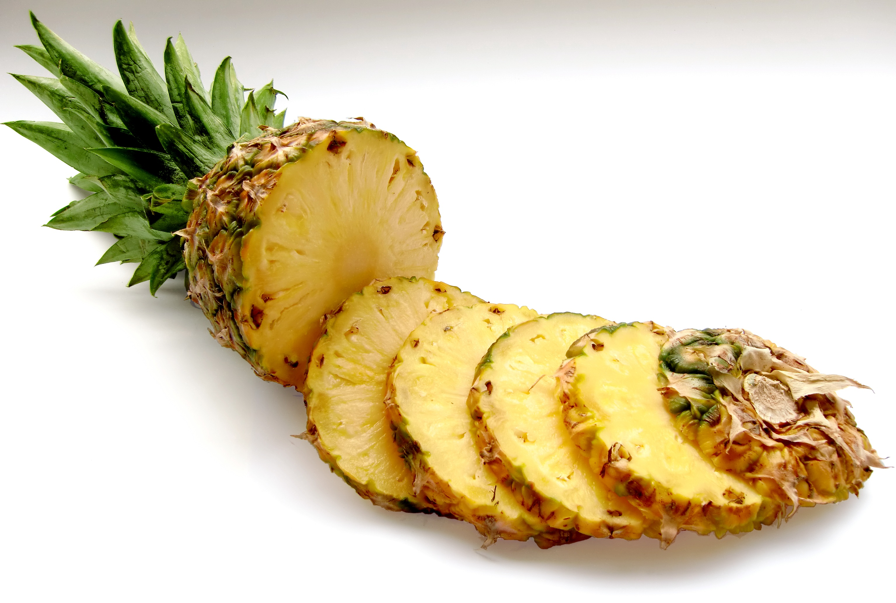 Sliced pineapple photo