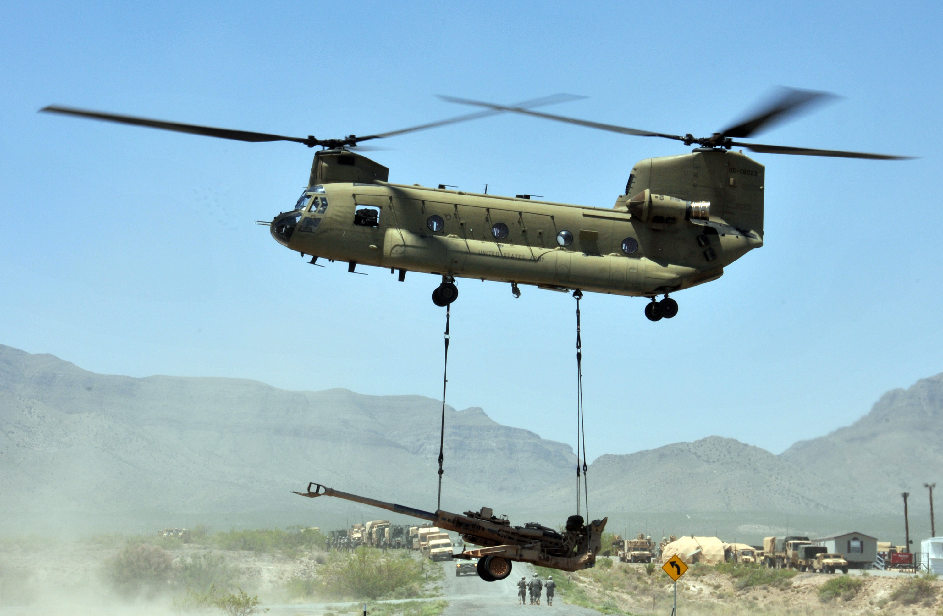 File:Flickr - The U.S. Army - Slingload operations (1).jpg ...
