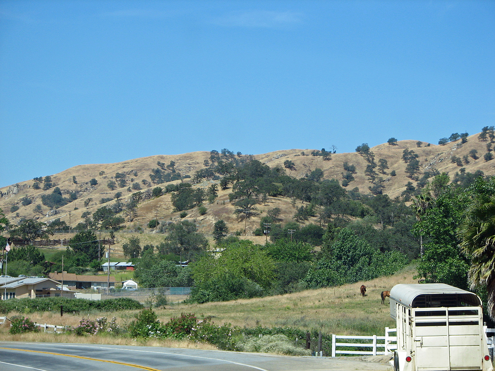 Small Mountain Town, Bspo06, Country, Hills, Horses, HQ Photo