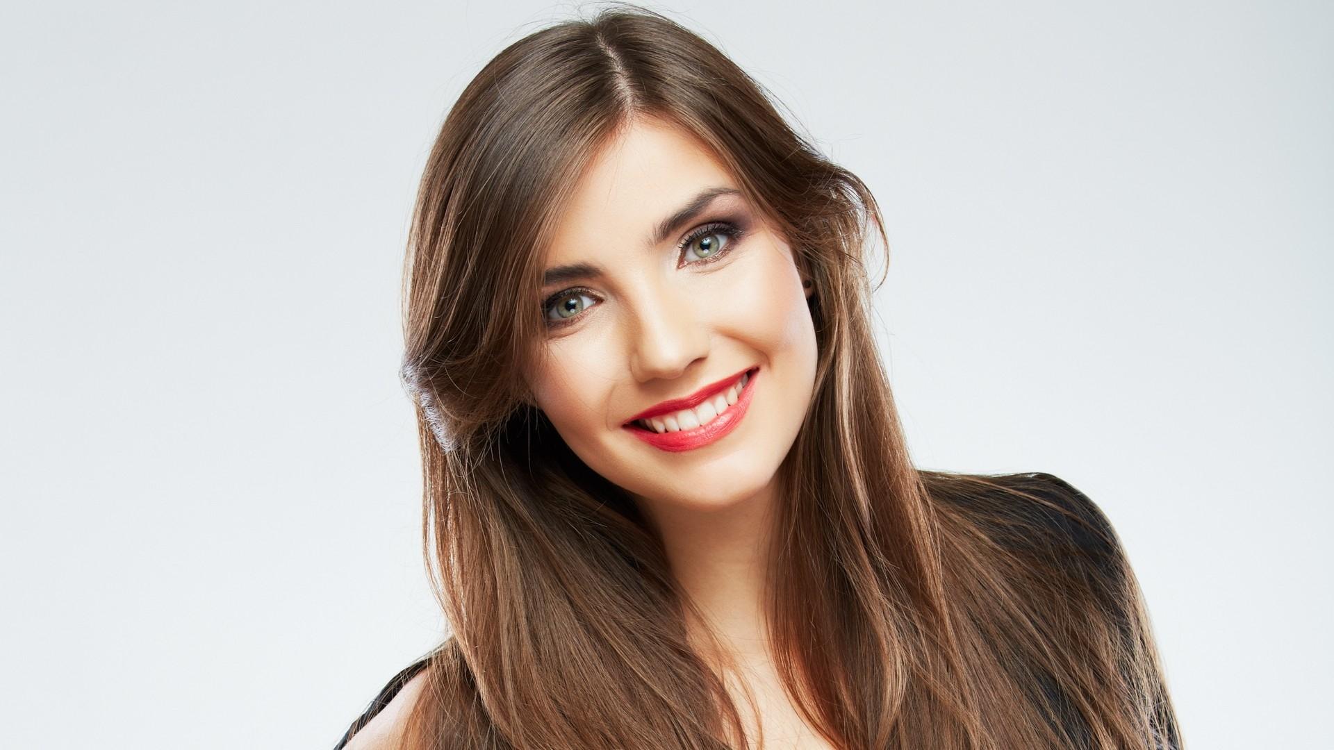 Download Wallpaper 1920x1080 smile, makeup, girl Full HD 1080p HD ...
