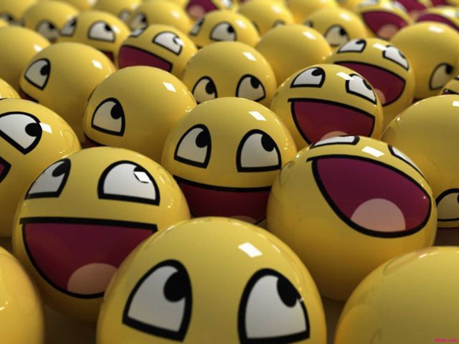 Happy Smiley Face Wallpaper Wallpaper | WallpaperLepi
