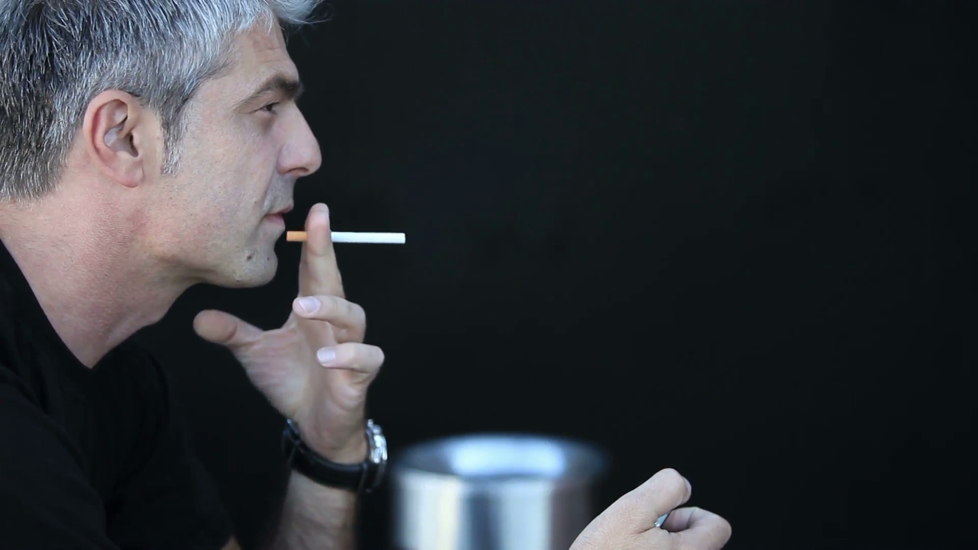 A man realizes the noxiousness of the cigarettes and decides to quit ...