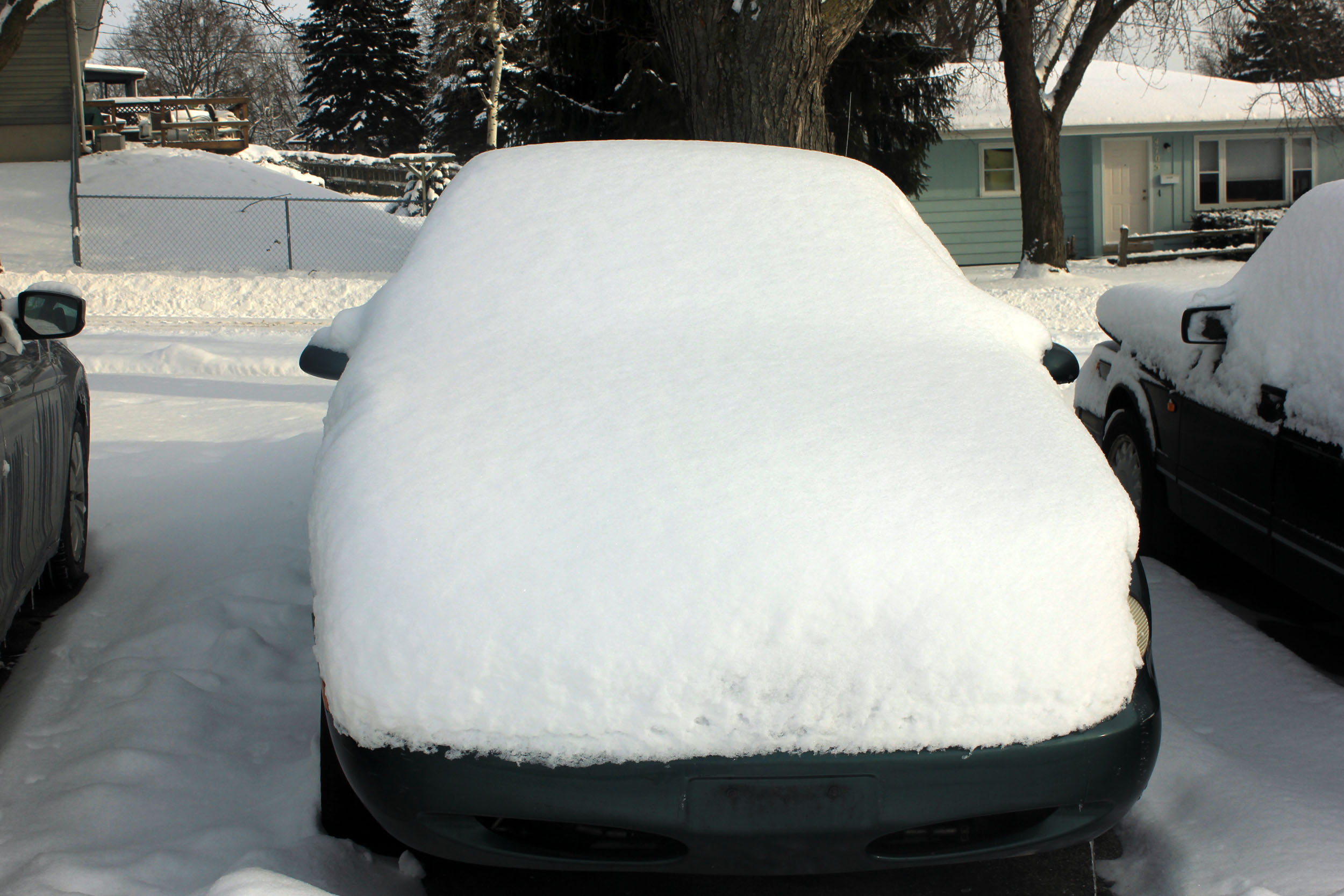 File:Gfp-snow-covered-car.jpg - Wikimedia Commons
