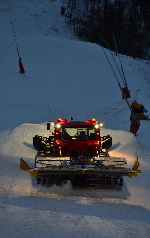 Snow tractor photo