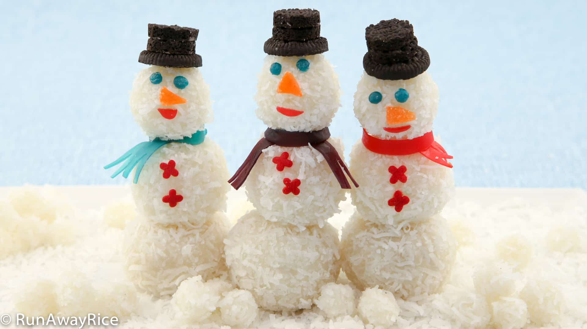 Snowman Snowball Cakes - Yummy Holiday Treats to Make at Home!