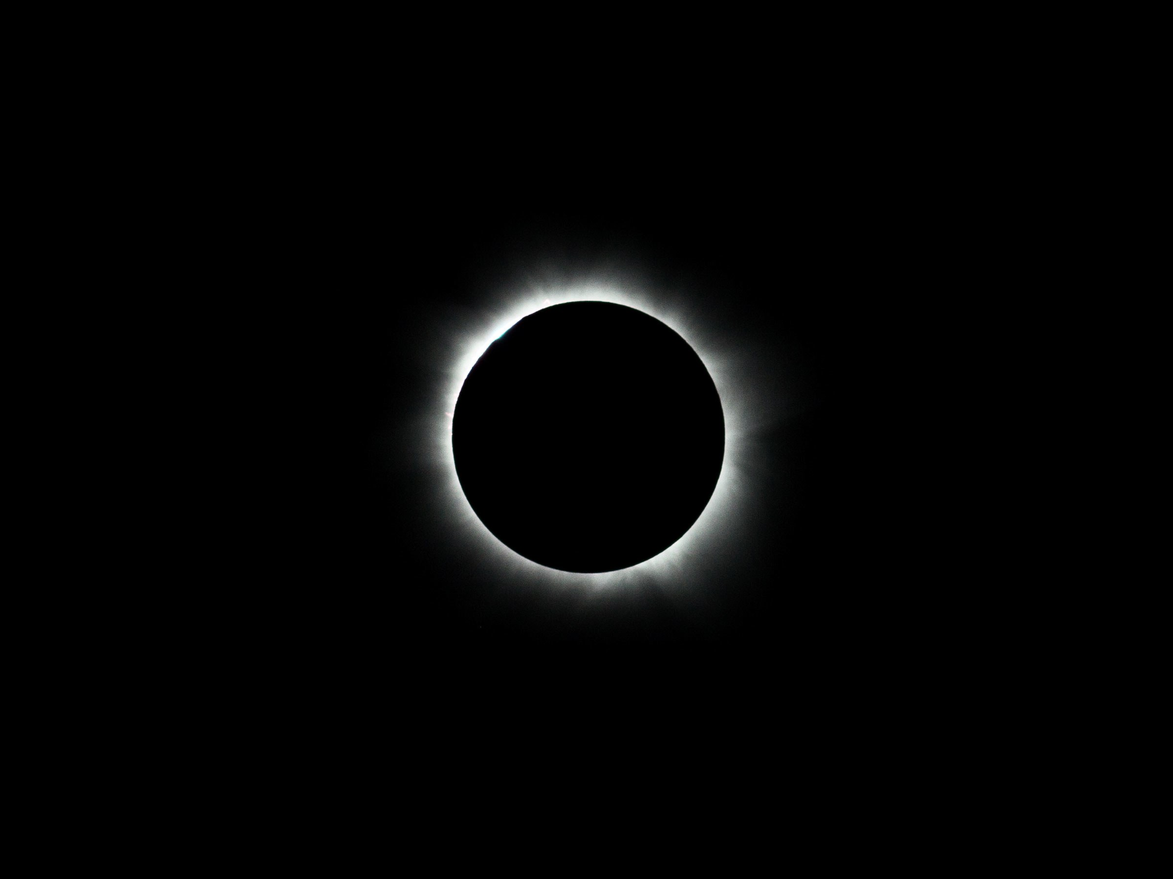 How to Photograph the 2017 Solar Eclipse Using Your Smartphone | WIRED