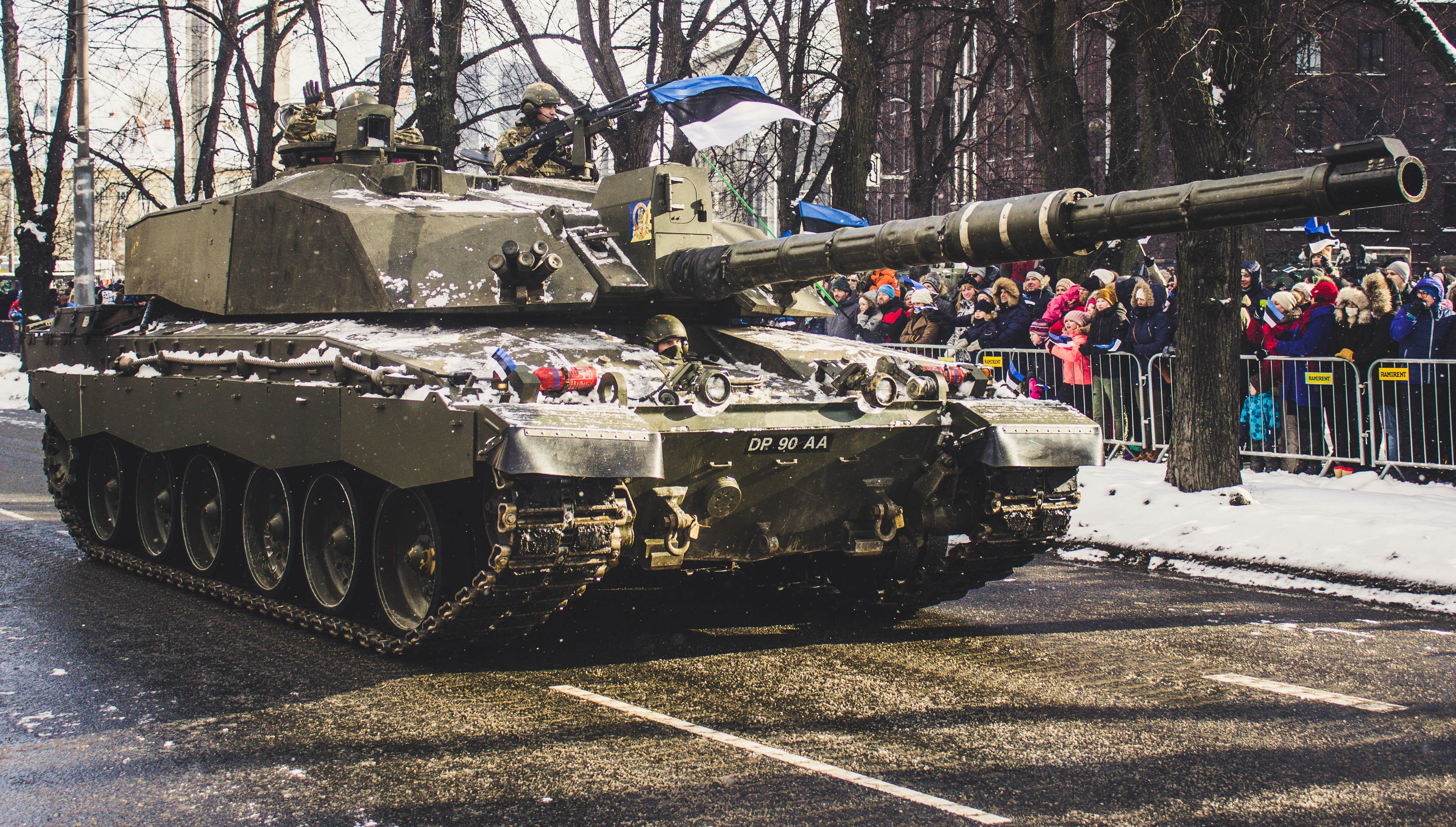 Soldier Tank on Road, People, Winter, Wear, Weapons, HQ Photo