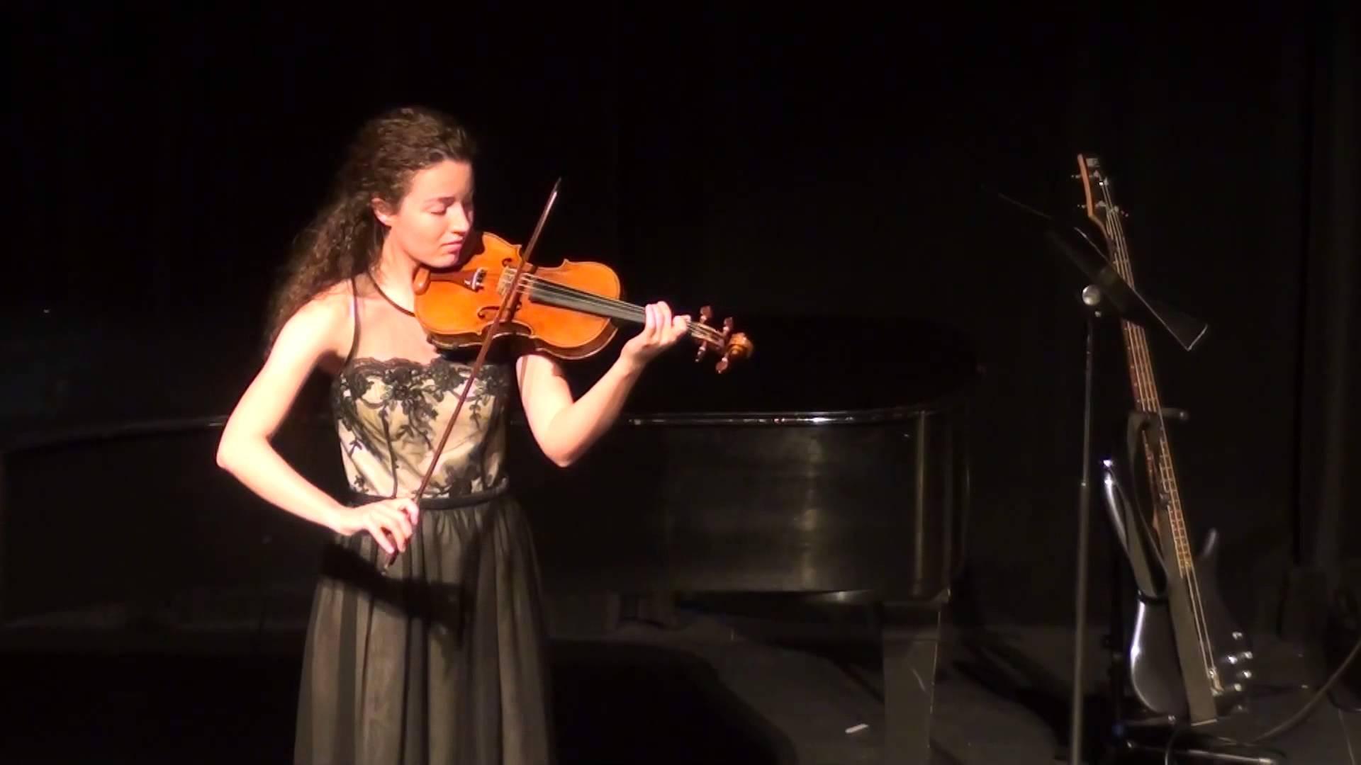Solo violinist photo