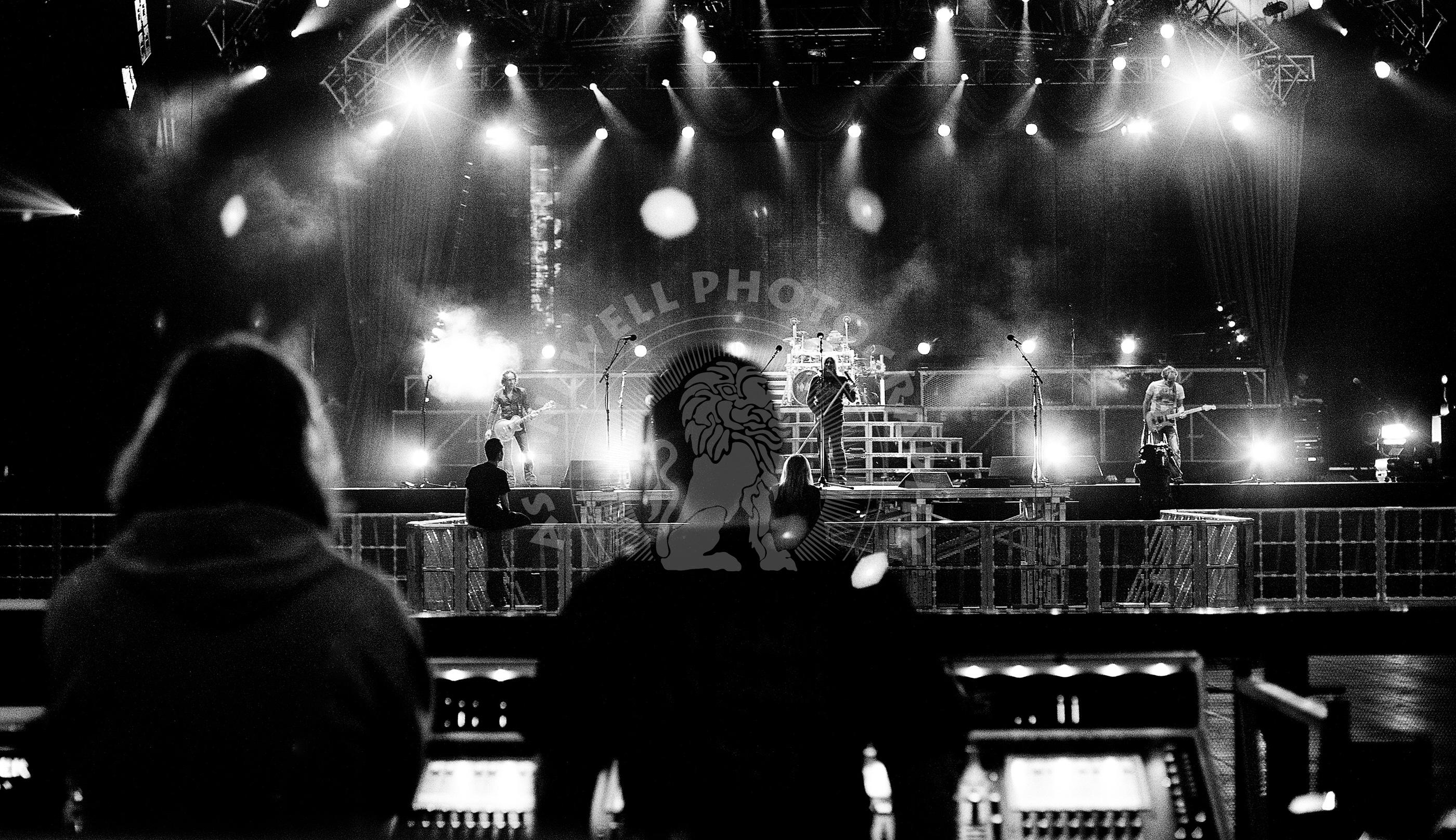 Def Leppard Sound Check – Manchester 2008 | Ash Newell