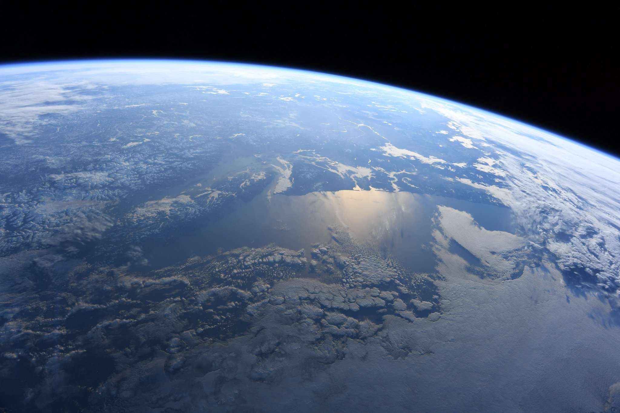 Astronaut takes gorgeous photo of the Northwest from space ...