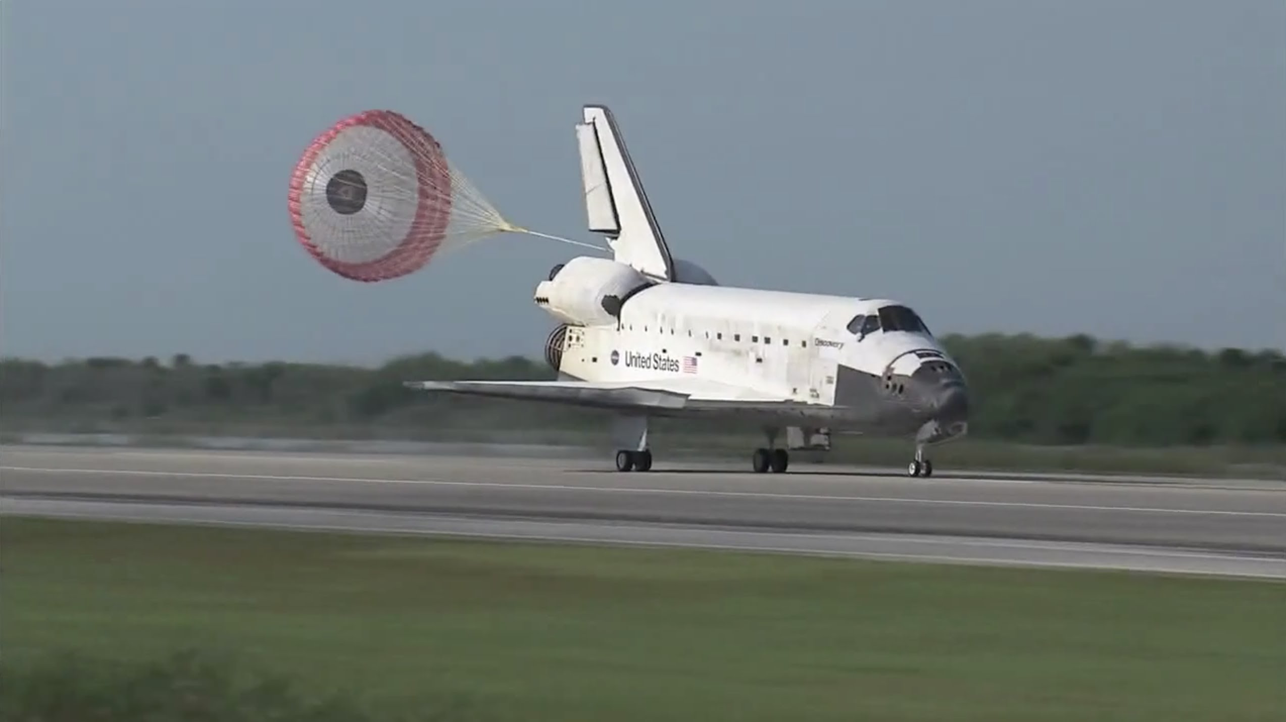 Space Shuttle Landing Discovery by NASA HD - YouTube