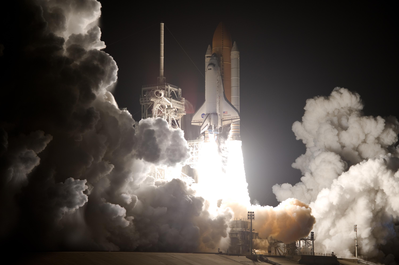 Discovery Races Toward Space | NASA