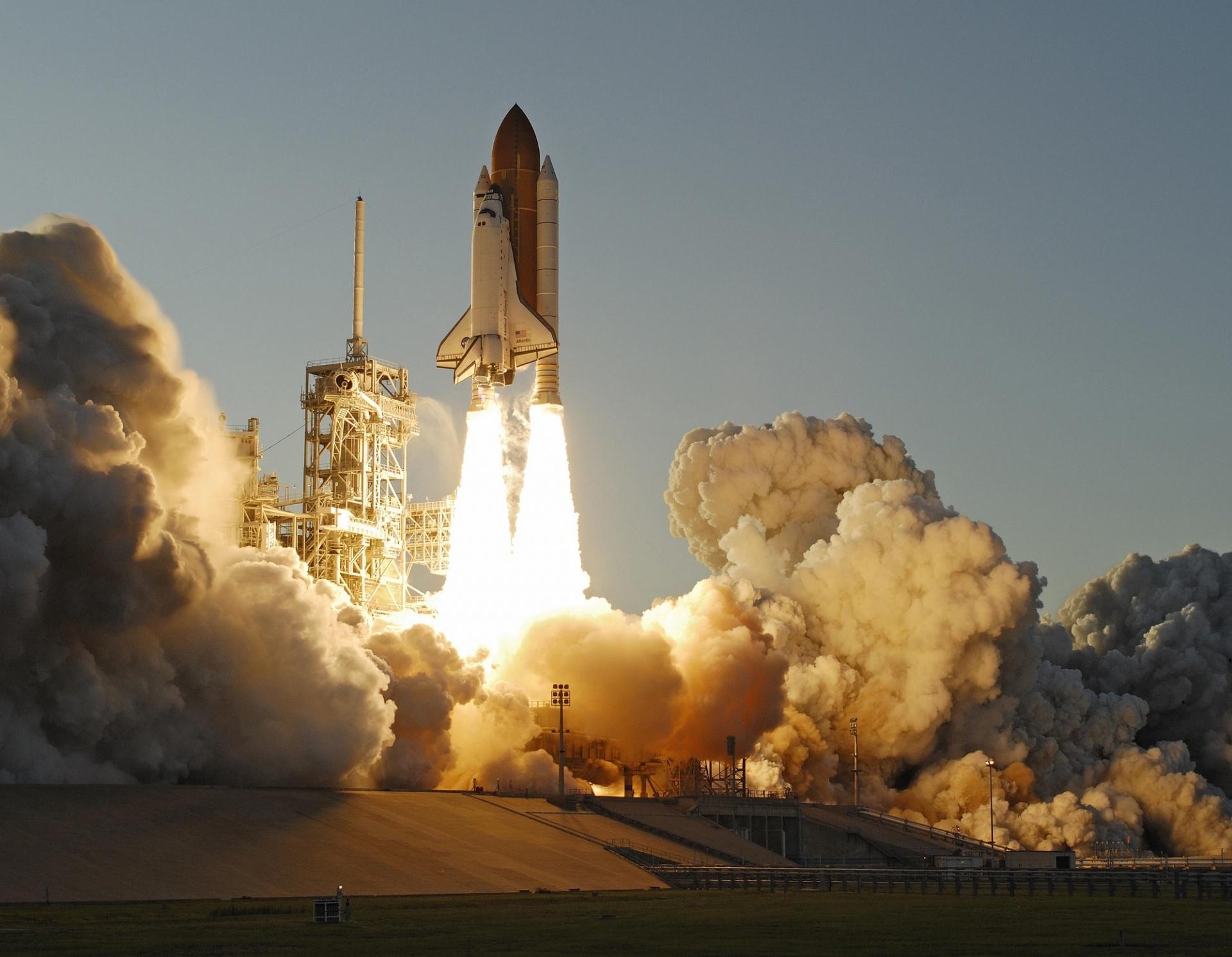 Space Shuttle Launch Free Stock Photo - Public Domain Pictures
