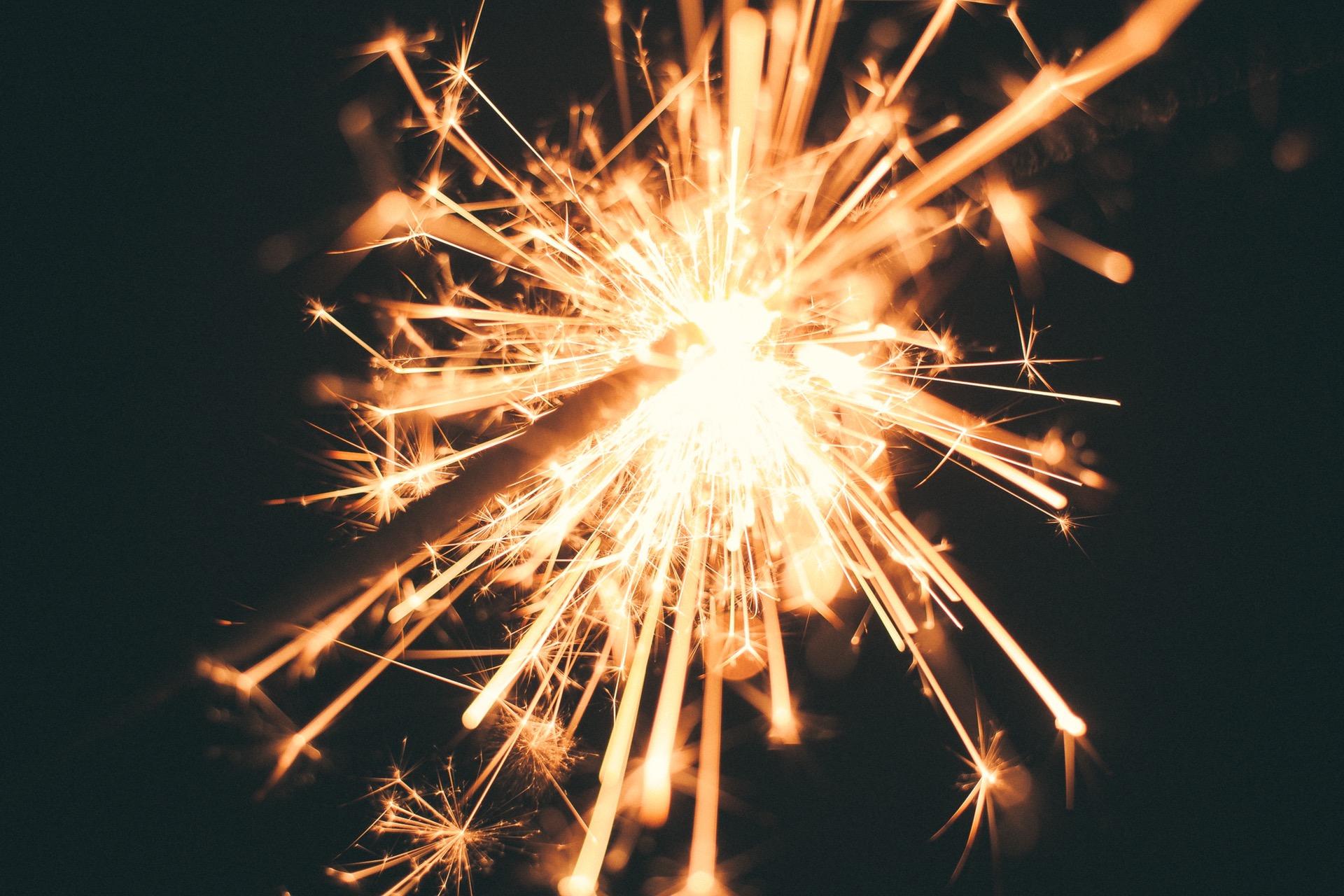 Smokeless Wedding Sparklers: Can a Sparkler Burn Without Smoke?