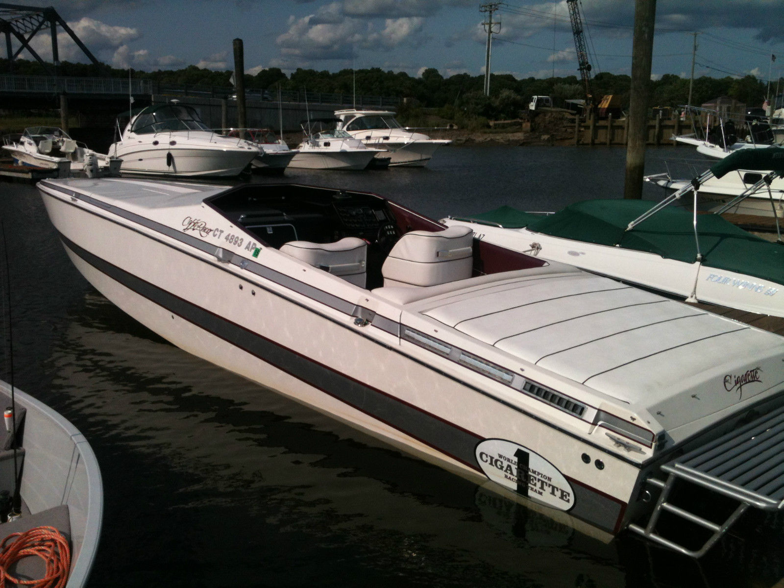 Cigarette CAFE RACER 1987 for sale for $23,000 - Boats-from-USA.com
