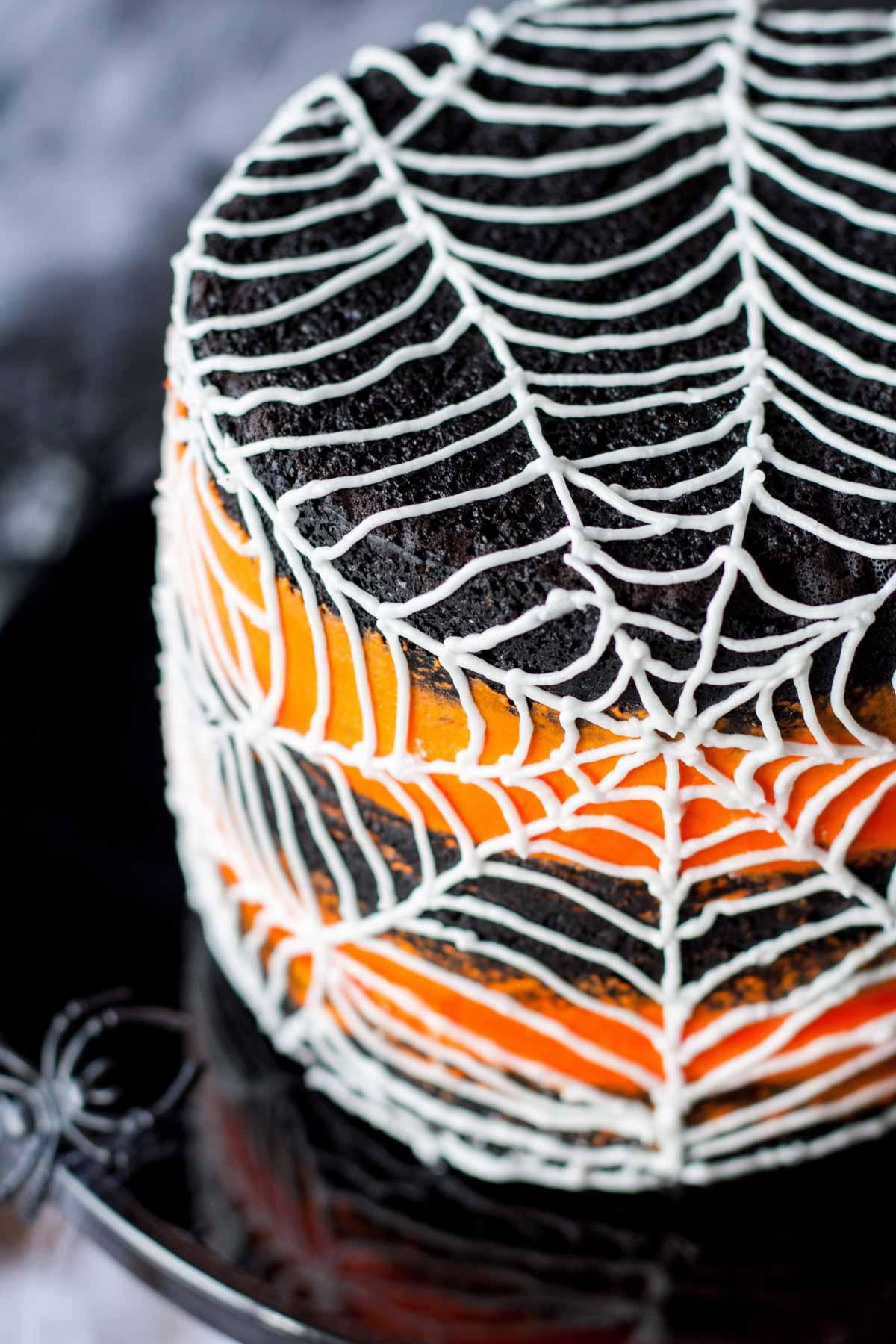 Spiderweb Cake - Liv for Cake