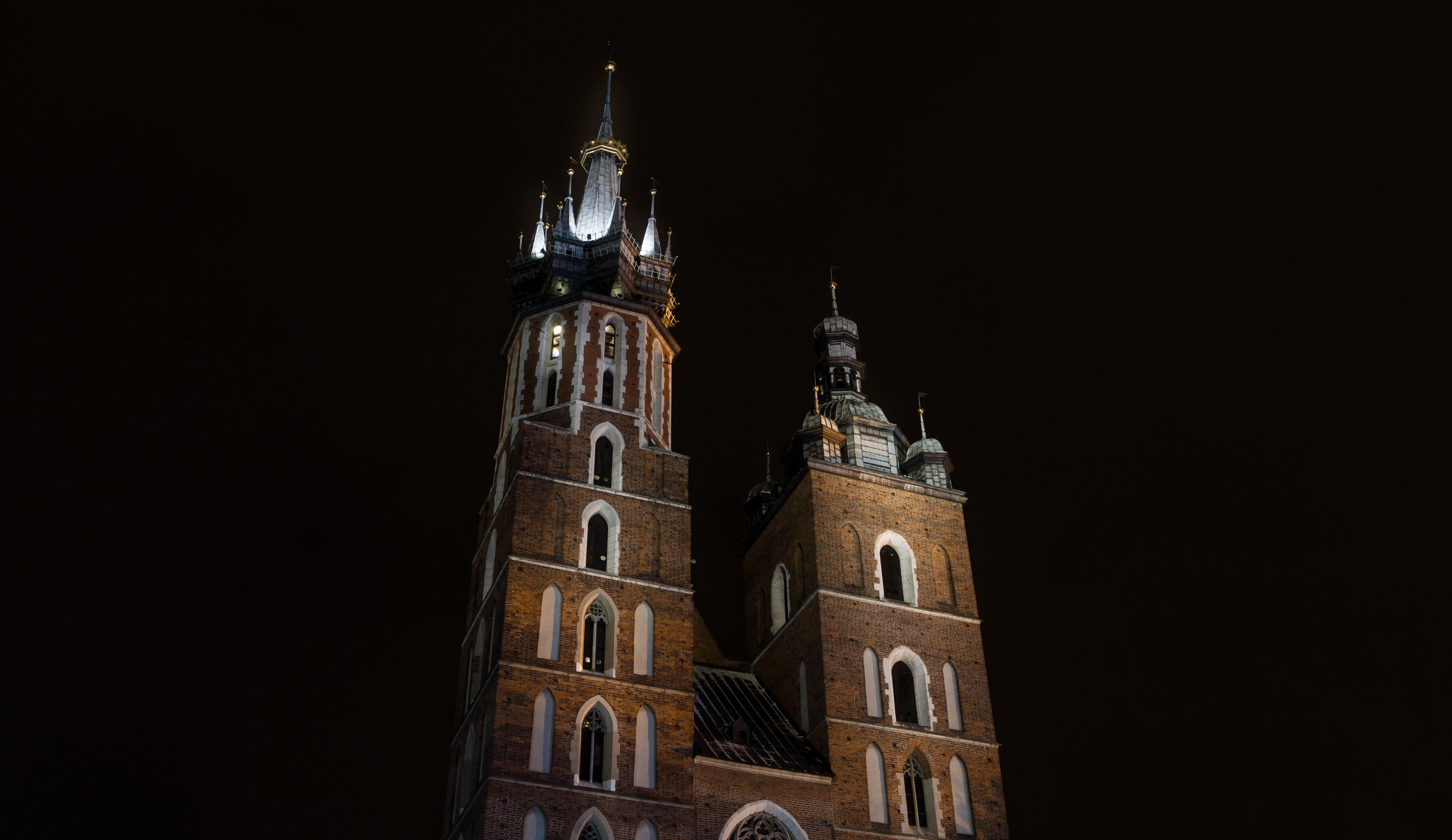 St mary's basilica (kościół mariacki), krakow, poland photo