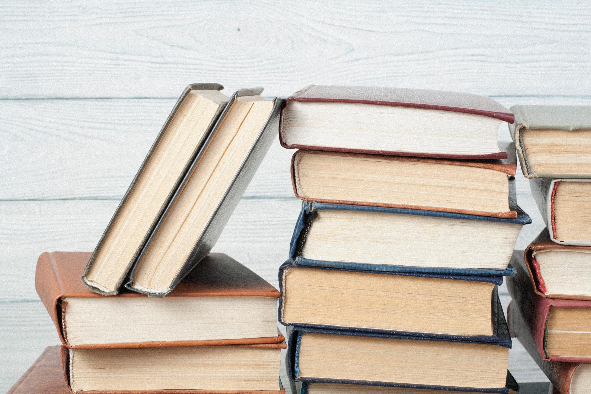 Stack-of-books - Michael Hyatt