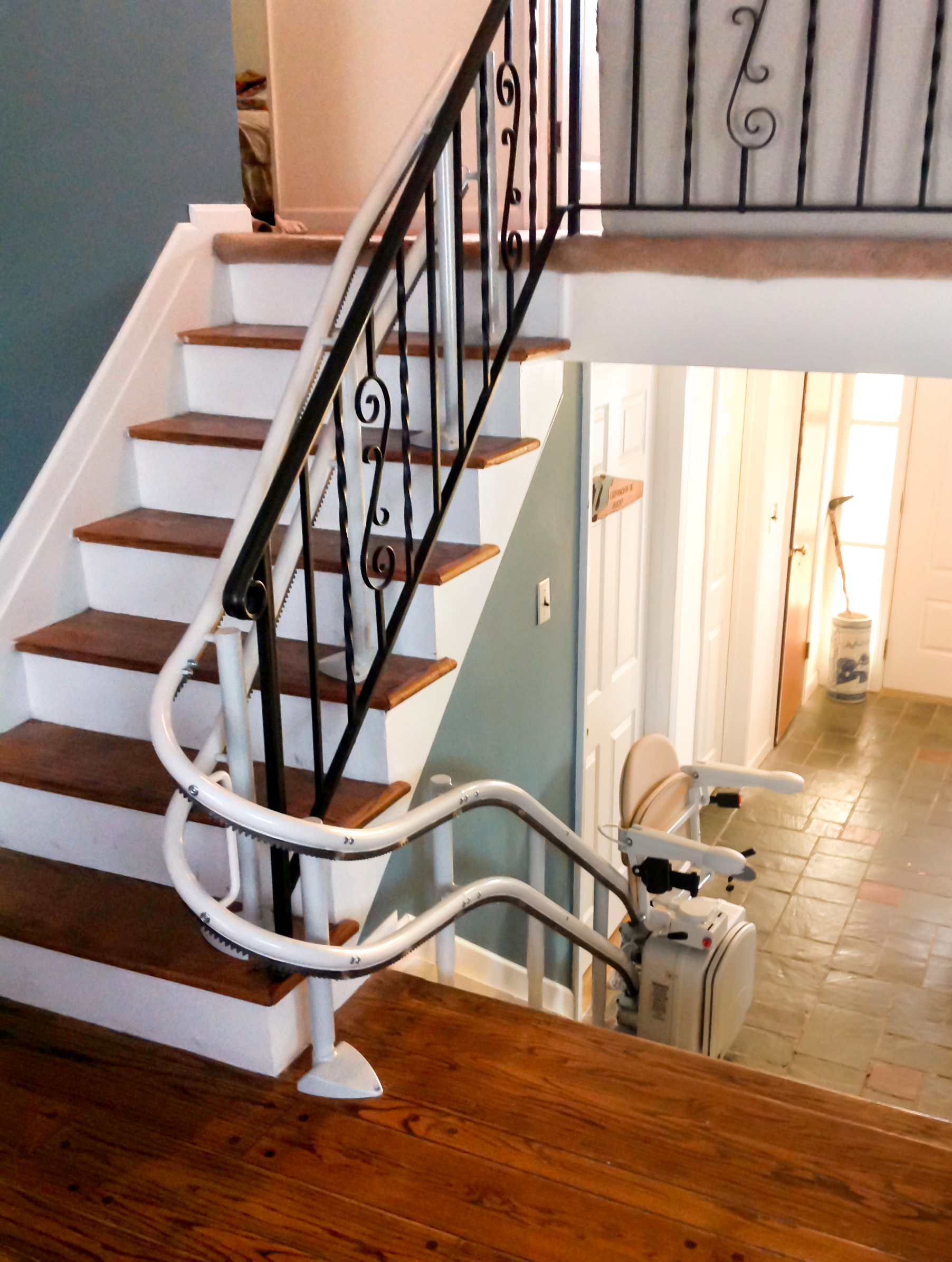 Curved Rail Stair Lifts, Stairlift for Curved Stairs | Centerspan