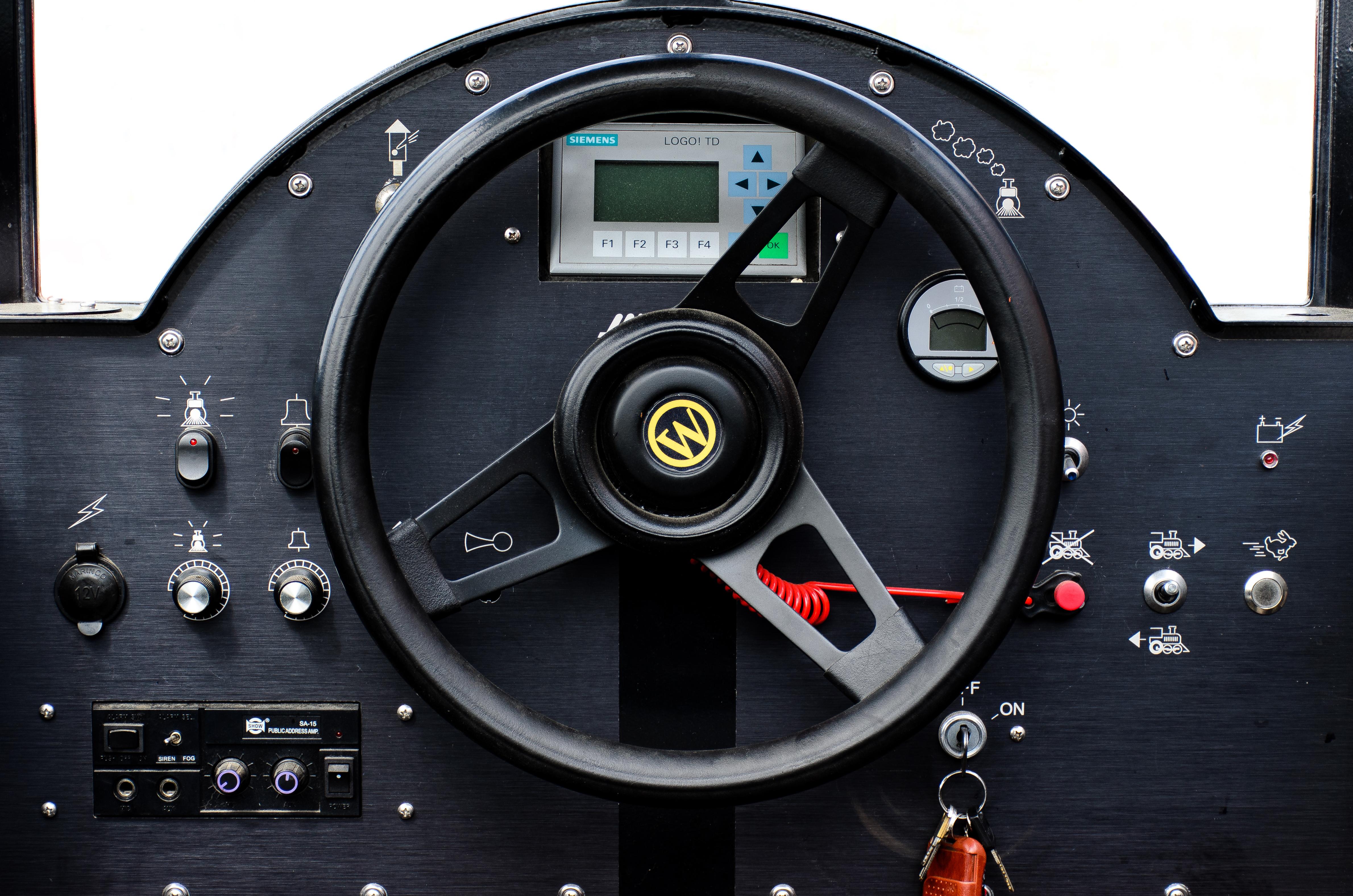 Steering, train dashboard