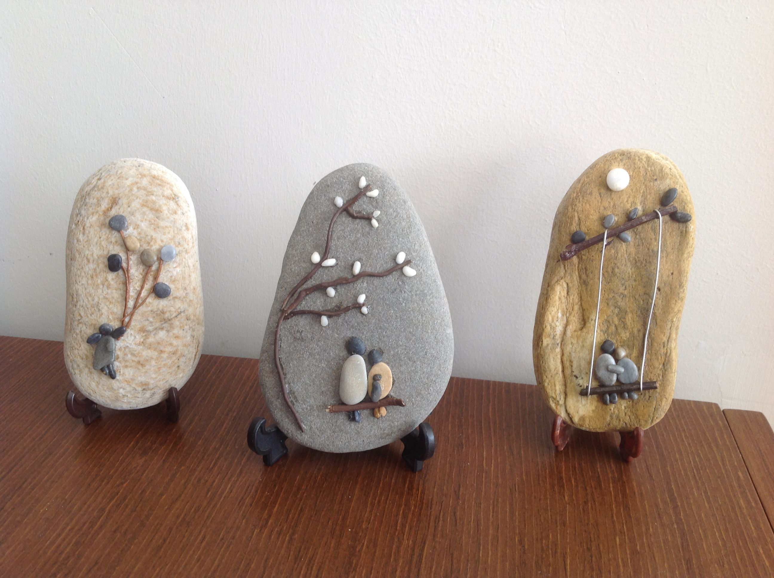 These are darling! Pebble picture on rocks. … | Pinteres…
