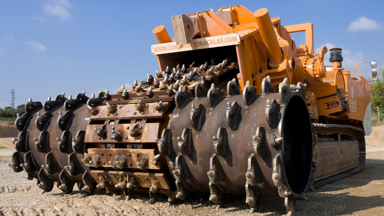 The Biggest Stone Crusher In The World Is One Impressive Machine