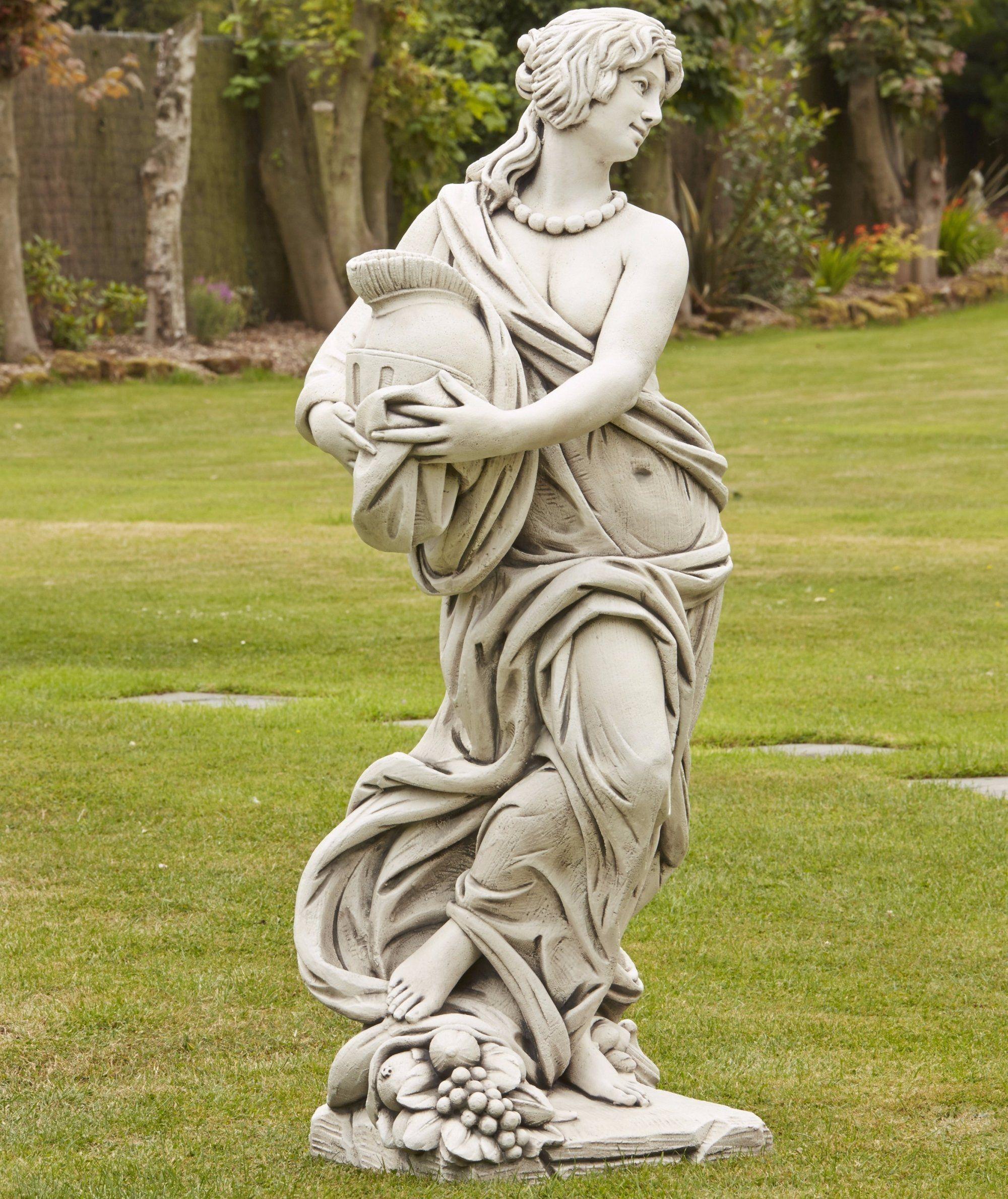 Stone sculpture photo