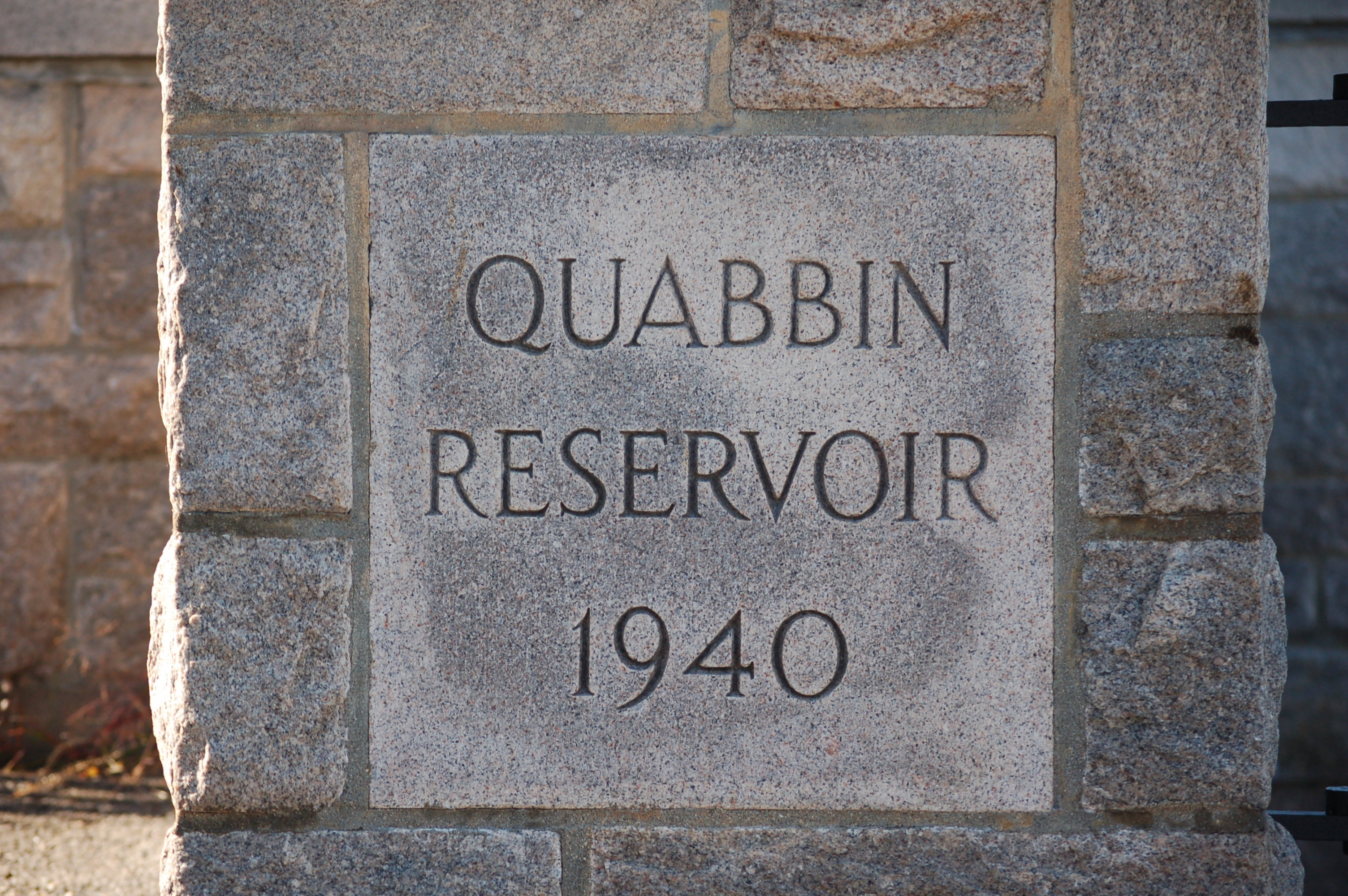 File:Quabbin Reservoir Stone Sign.jpg - Wikipedia