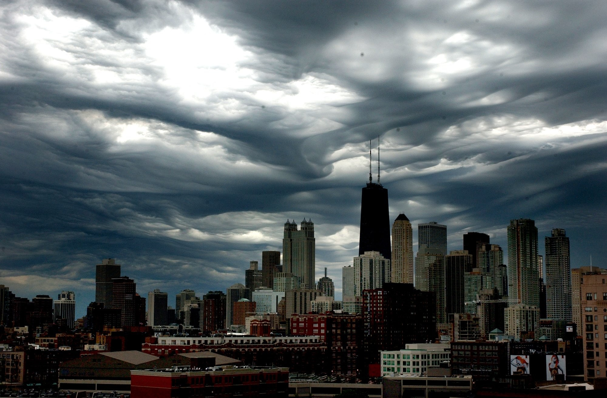 Low-Hanging Chicago Storm Clouds Photograph | Chicago Tribune Store