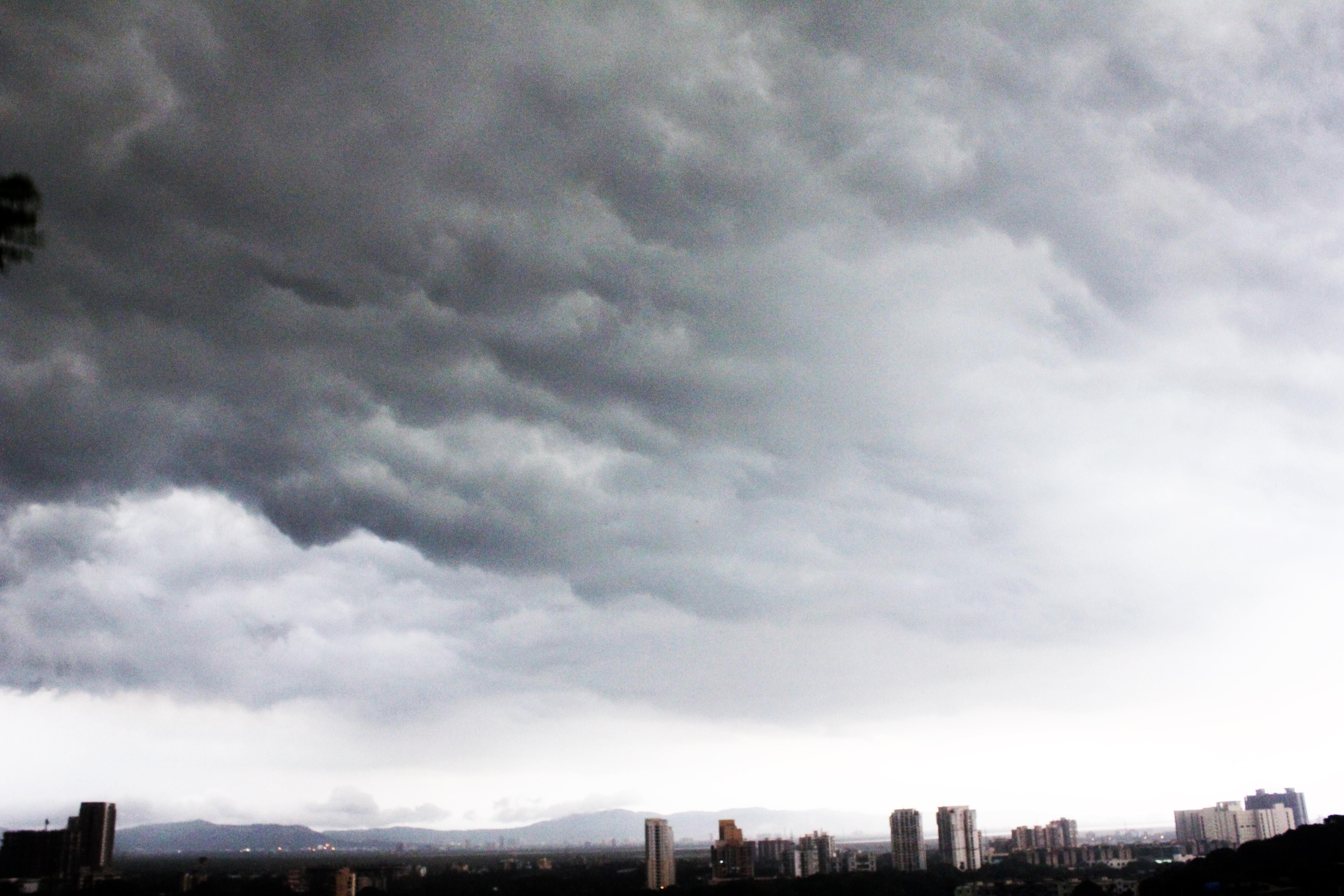 Dark Storm Clouds City : Public Domain Pictures