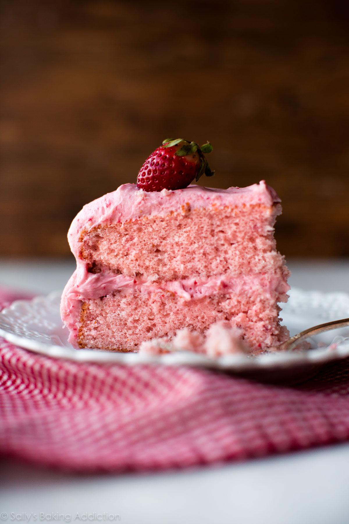 Homemade Strawberry Cake - Sallys Baking Addiction