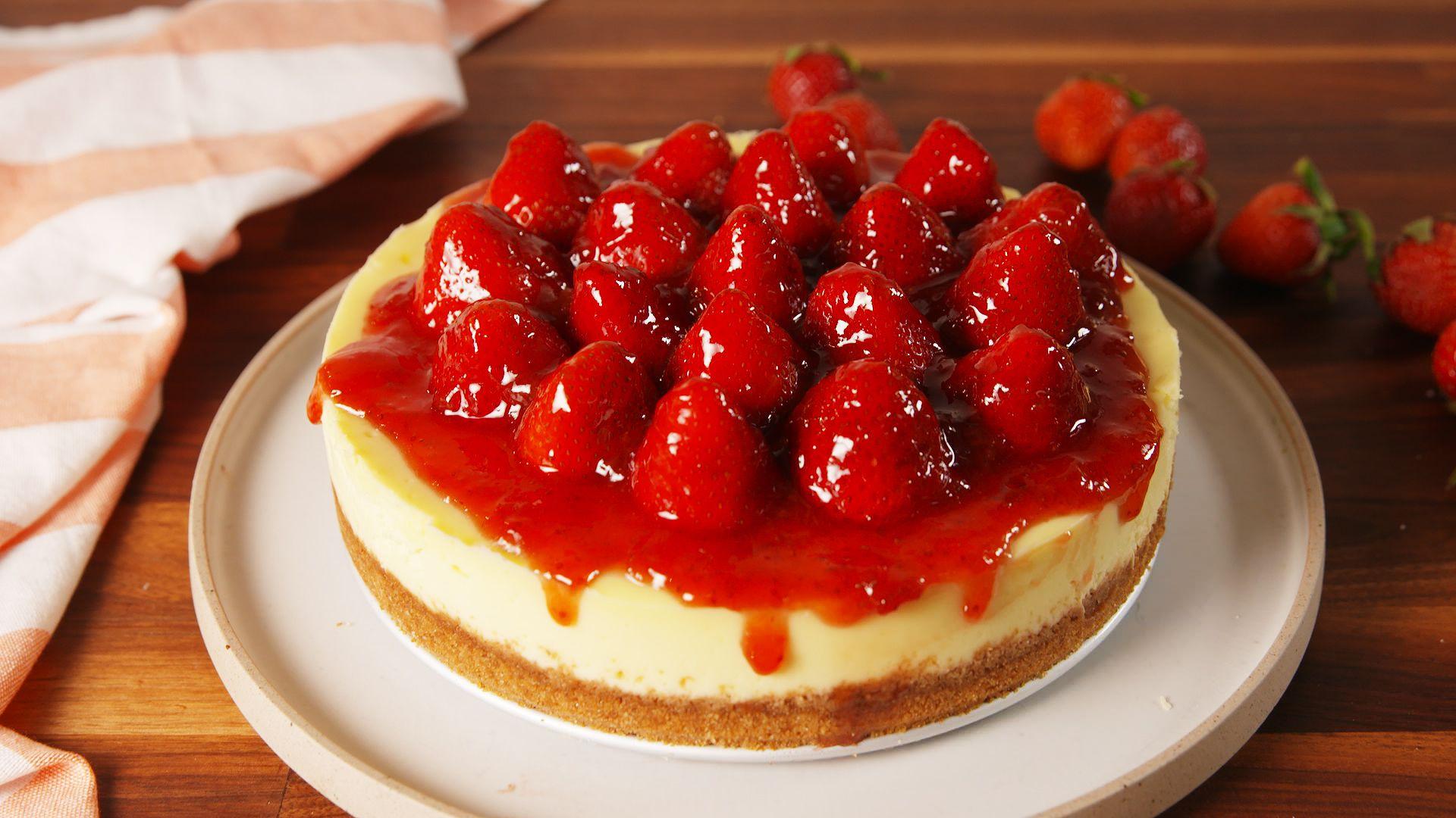 Best Strawberry Cheesecake Recipe - How to Make Strawberry Cheesecake