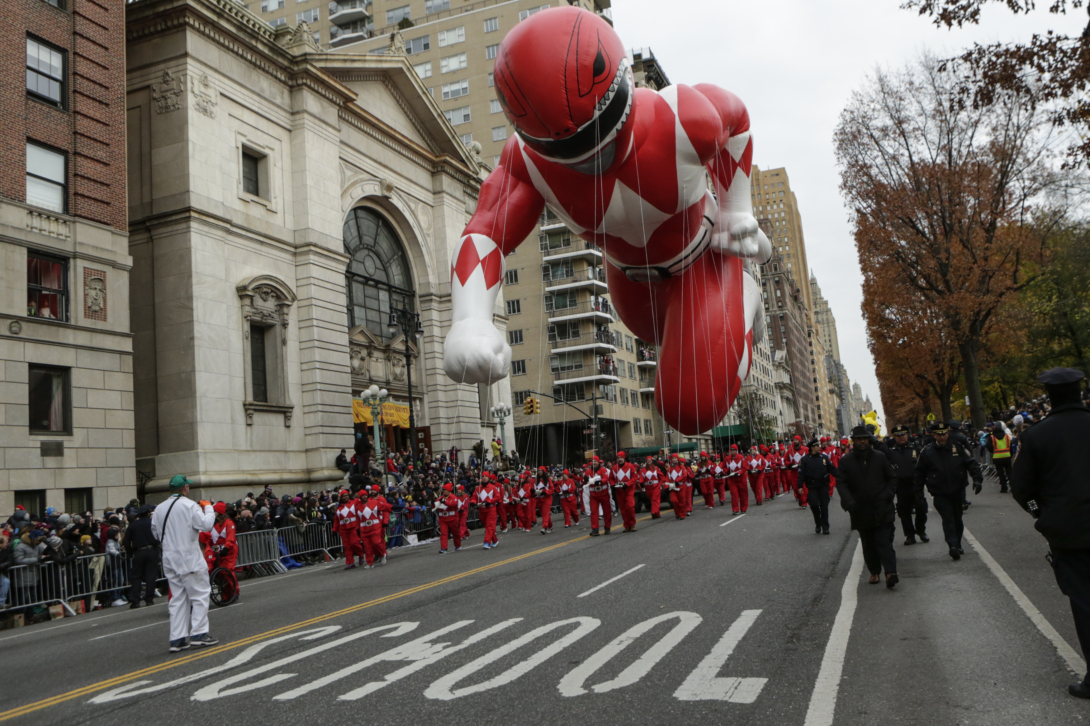 Macy's Thanksgiving Day Parade Guide: Street Closures, Where To ...