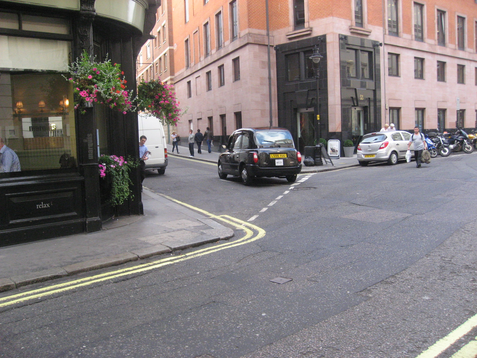 SIMPLIFY STREET CORNER DESIGN | PublicRealm.org