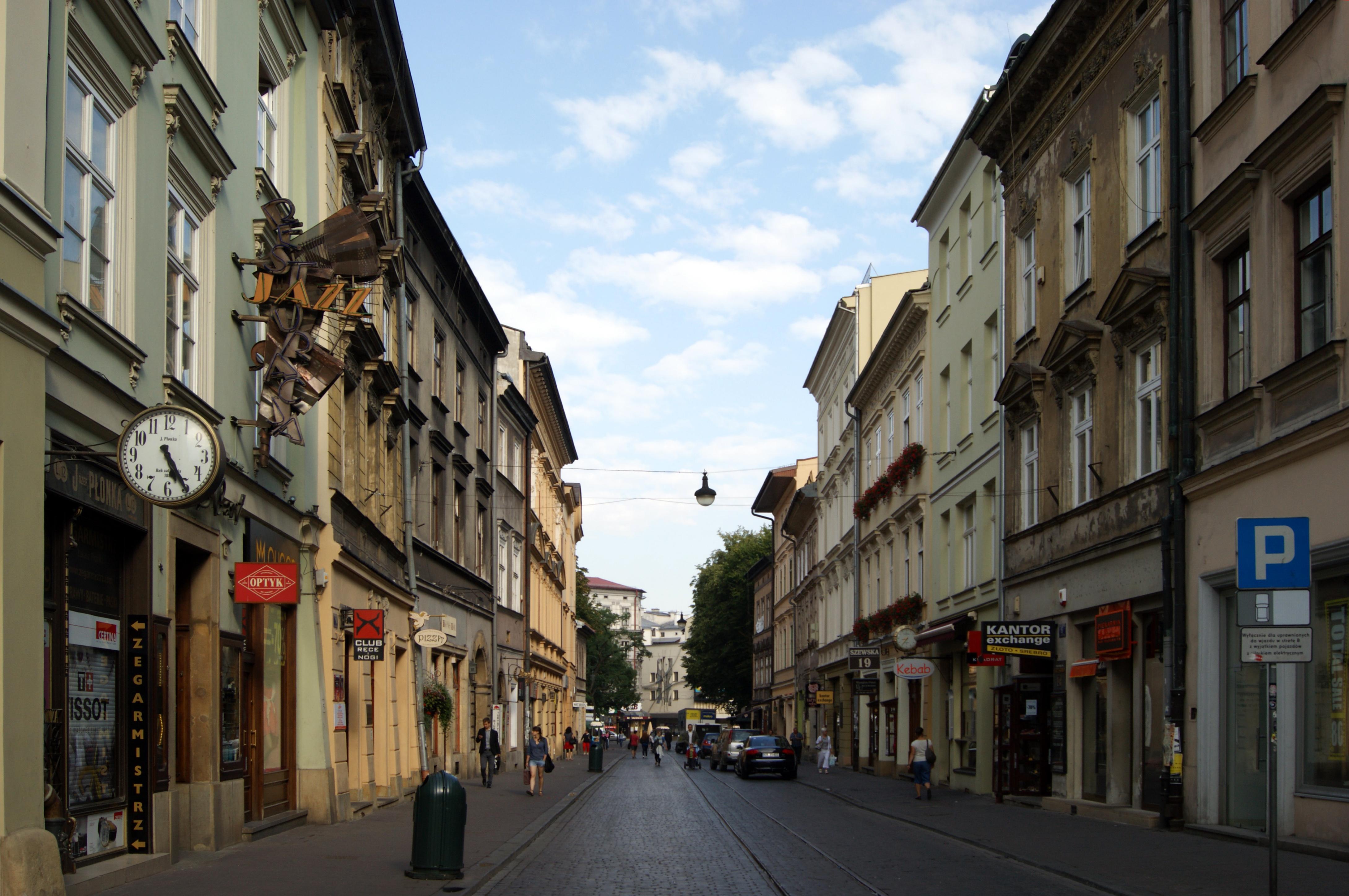 File:Szewska street, view to NW, Old Town, Krakow, Poland.jpg ...