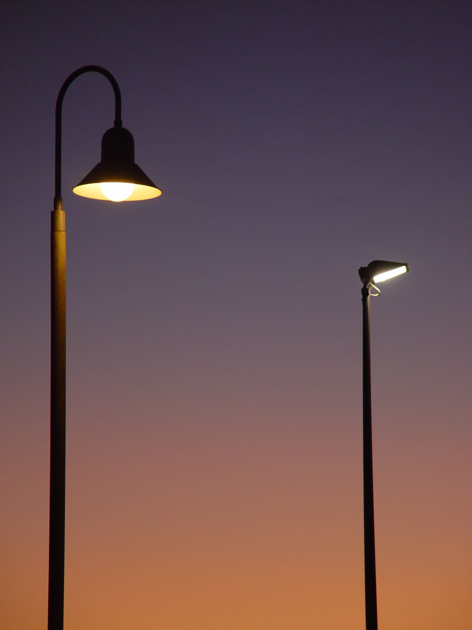 File:Street lights in evening.jpg - Wikimedia Commons