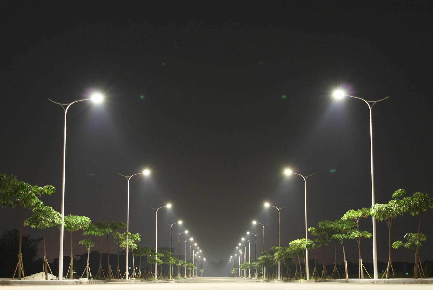 Smart LED solar street lighting system | Tonchev