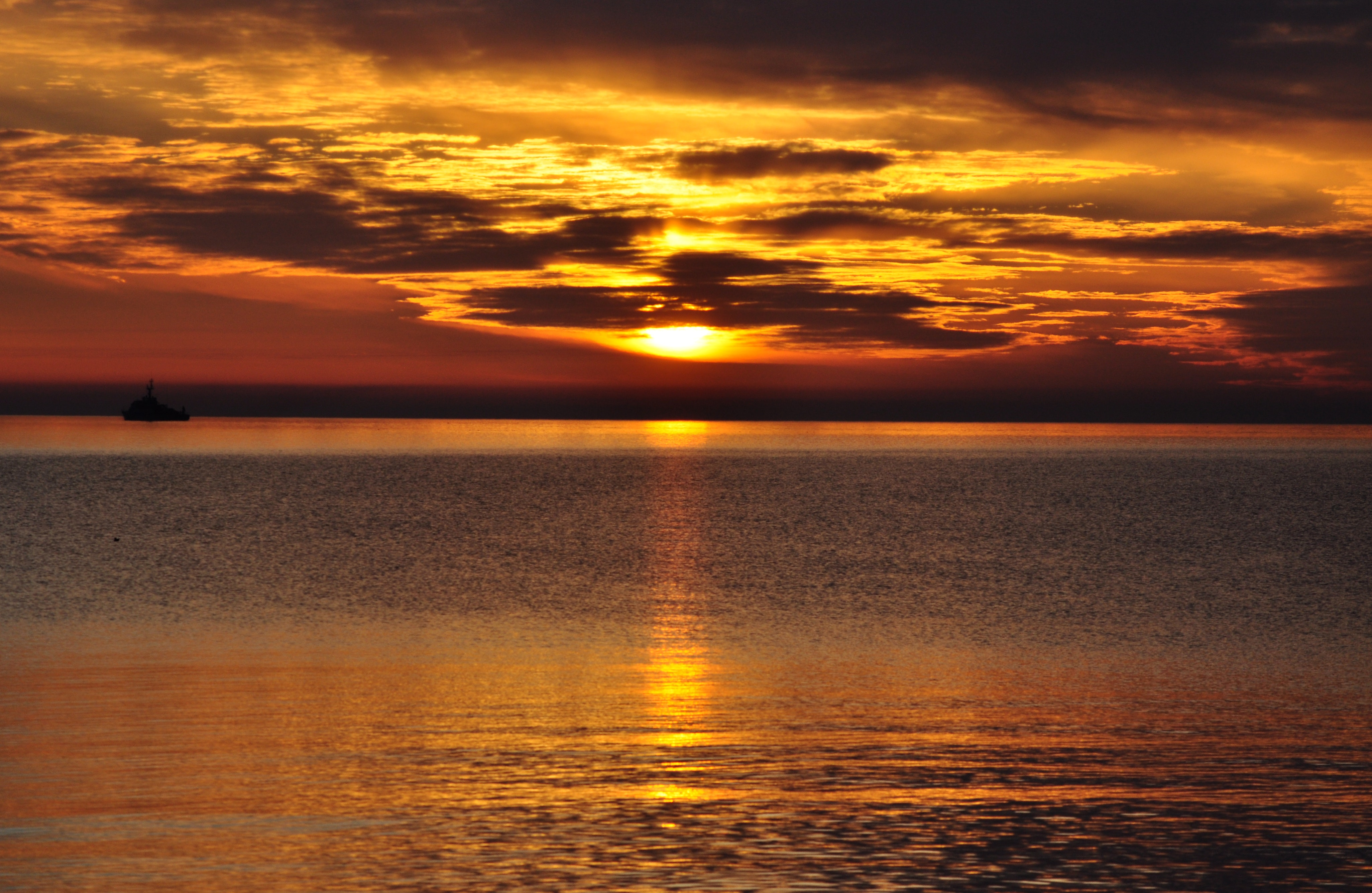 Sun Rise over the Horizer, Backlit, Reflections, Sunset, Sun, HQ Photo