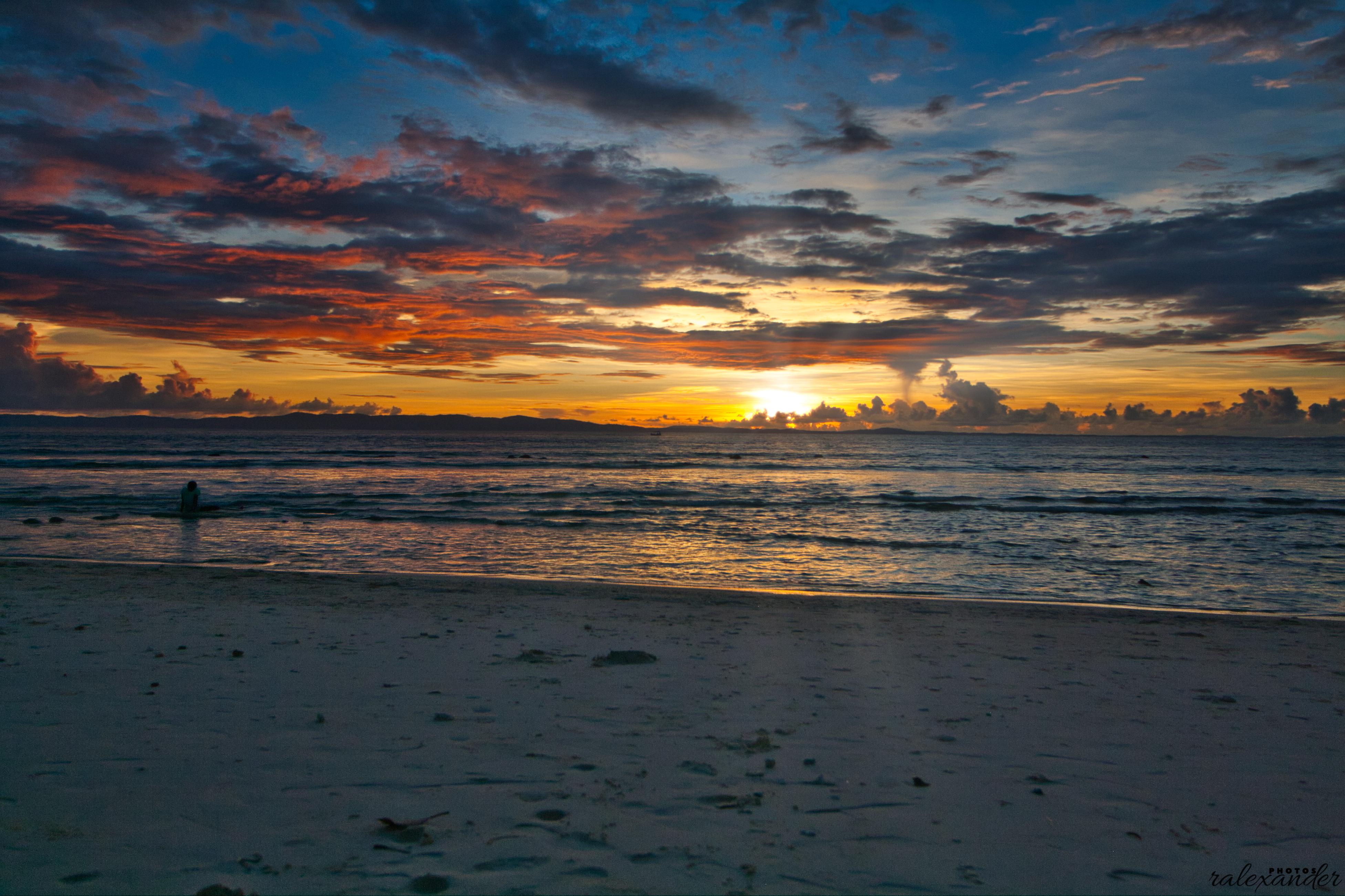 Sunset at lakshmanpur beach photo