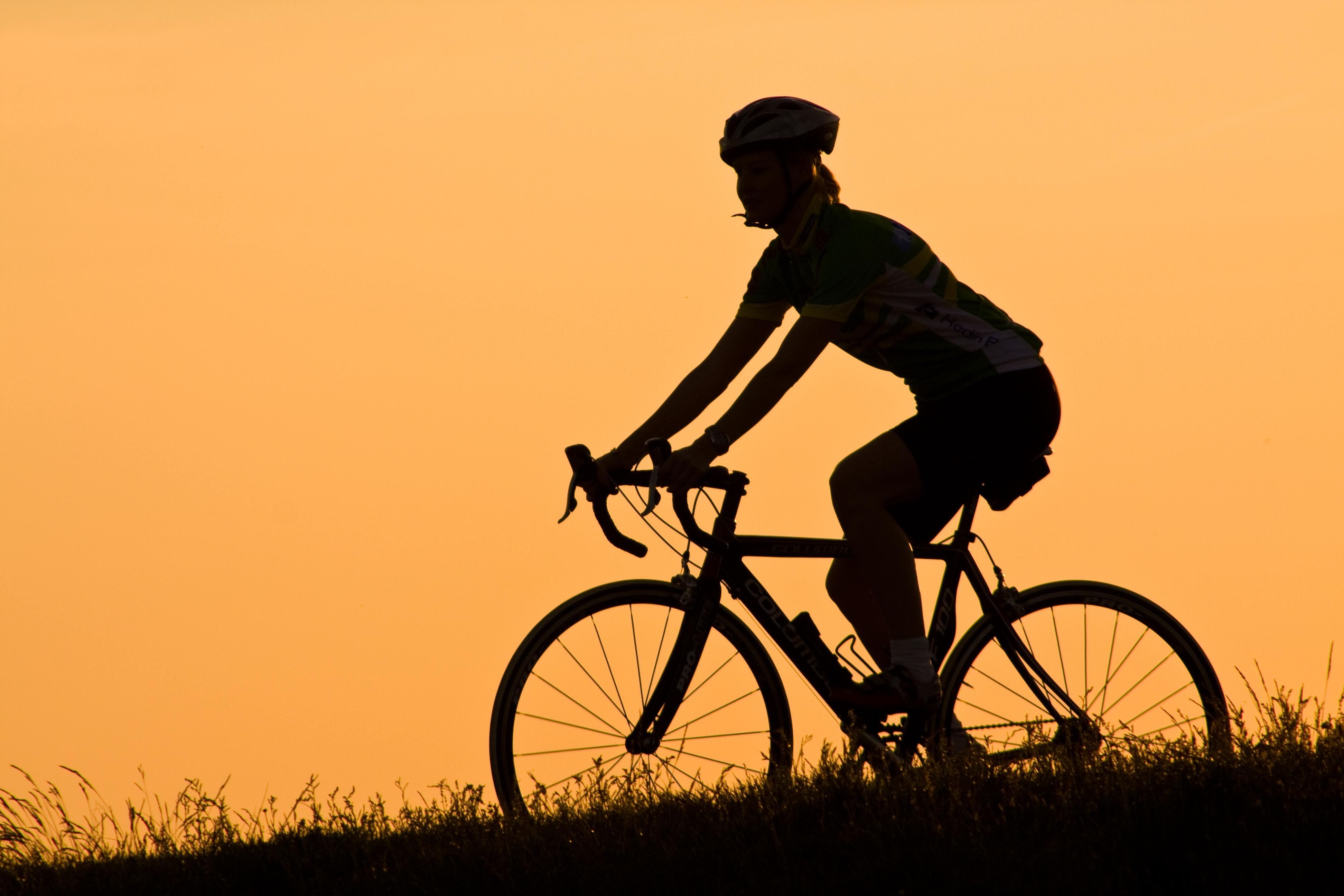 Sunset cycling | photo page - everystockphoto