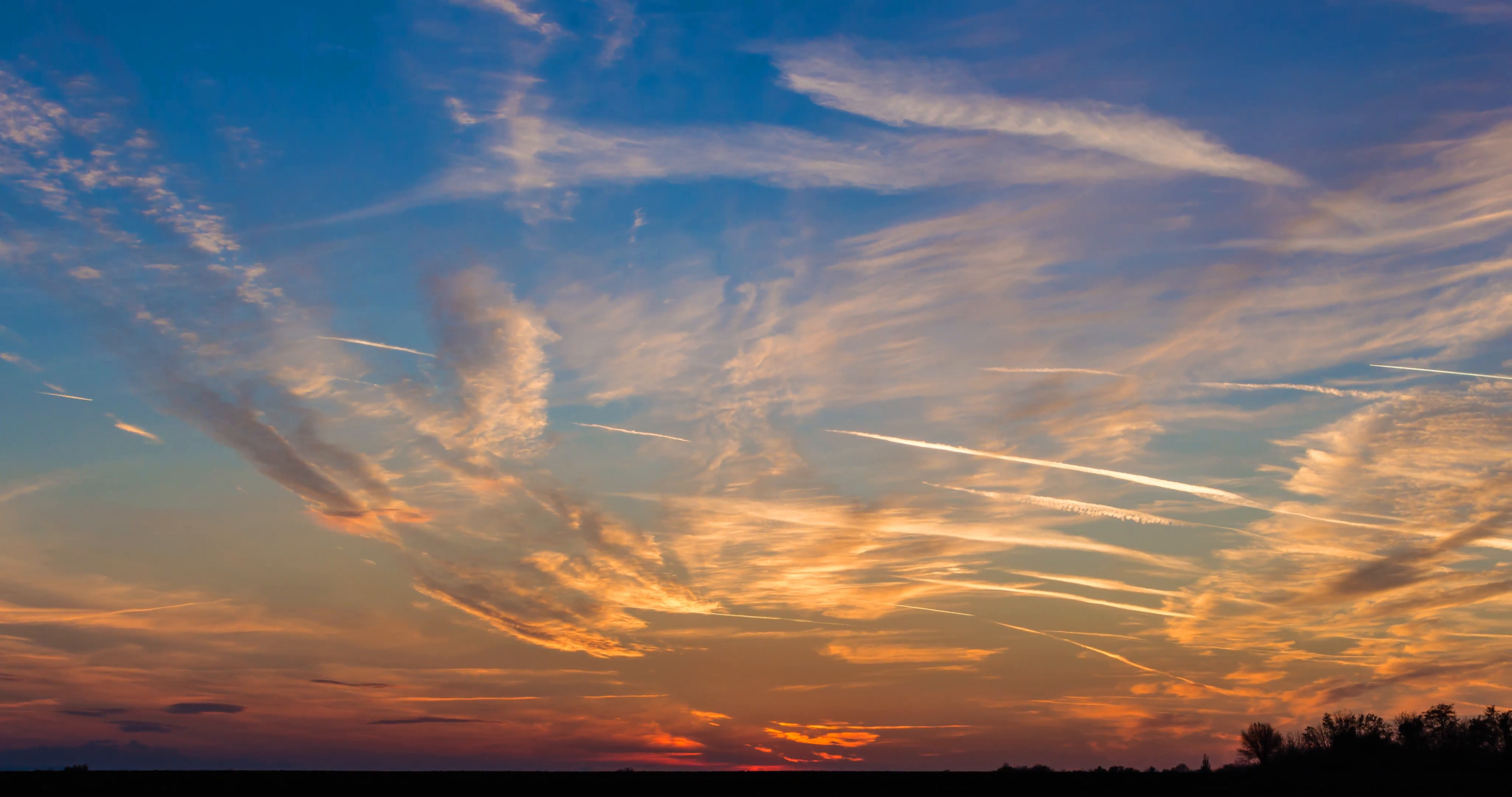 Beautiful sunset 4K time-lapse with moving clouds Stock Video ...